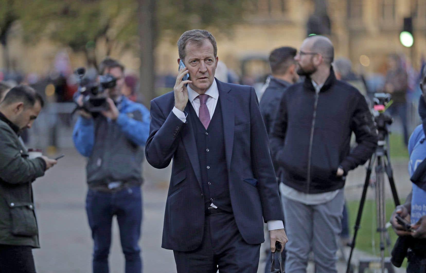 Alastair Campbell, ex-conseiller stratégique de Tony Blair, croit que l'extention du délai de sortie du Royaume-Uni de l'Union européenne doit servir à convaincre les Britanniques qu'ils ont été trompés par les ténors du Brexit.
