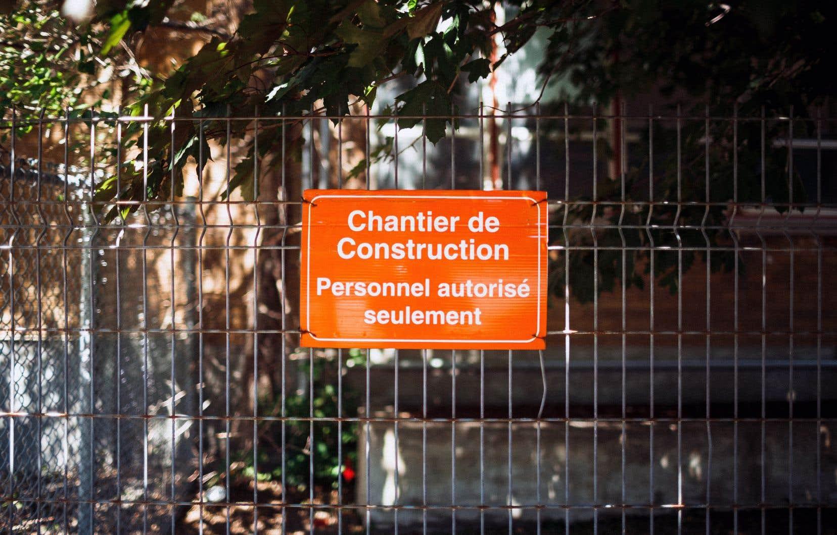 La CSDM gère chaque année des travaux d'agrandissement ou de rénovation d'école qui totalisent 150millions de dollars.