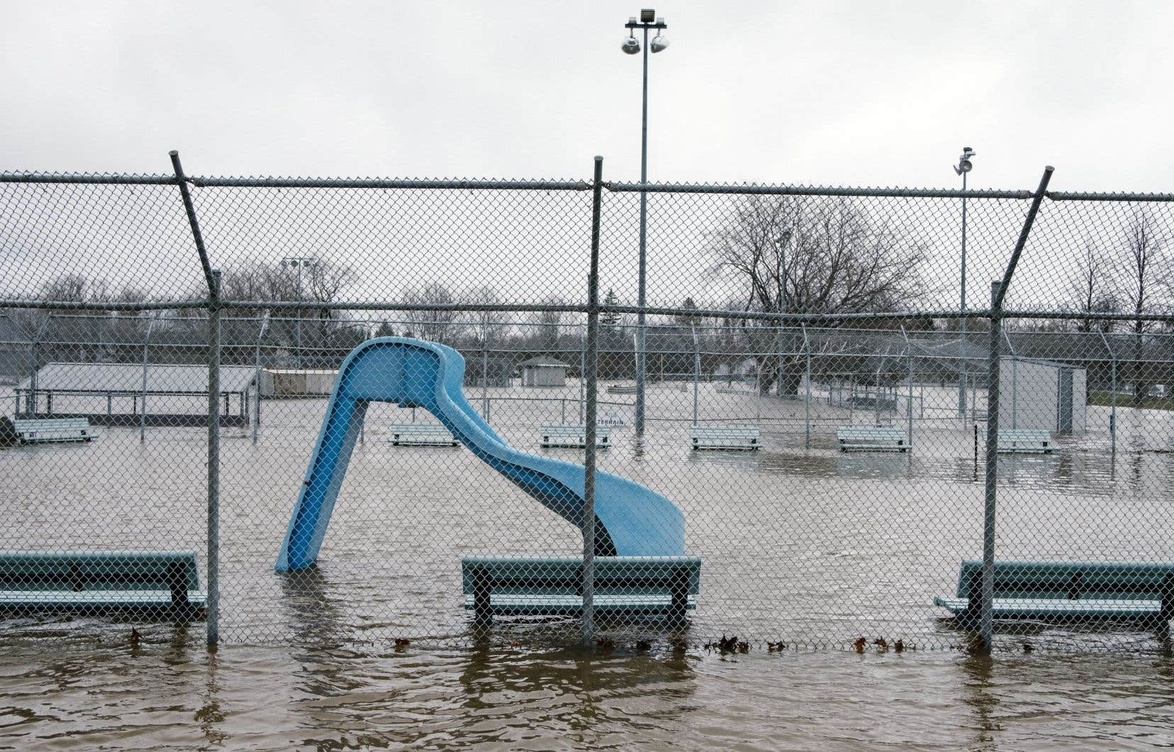 Plusieurs secteurs de la Beauce le long de la rivière Chaudière, dont Saint-Georges, Sainte-Marie et Lac-Etchemin, sont particulièrement à risque de subir des inondations à la suite des accumulations de 25 à 40 millimètres prévues par Environnement Canada.