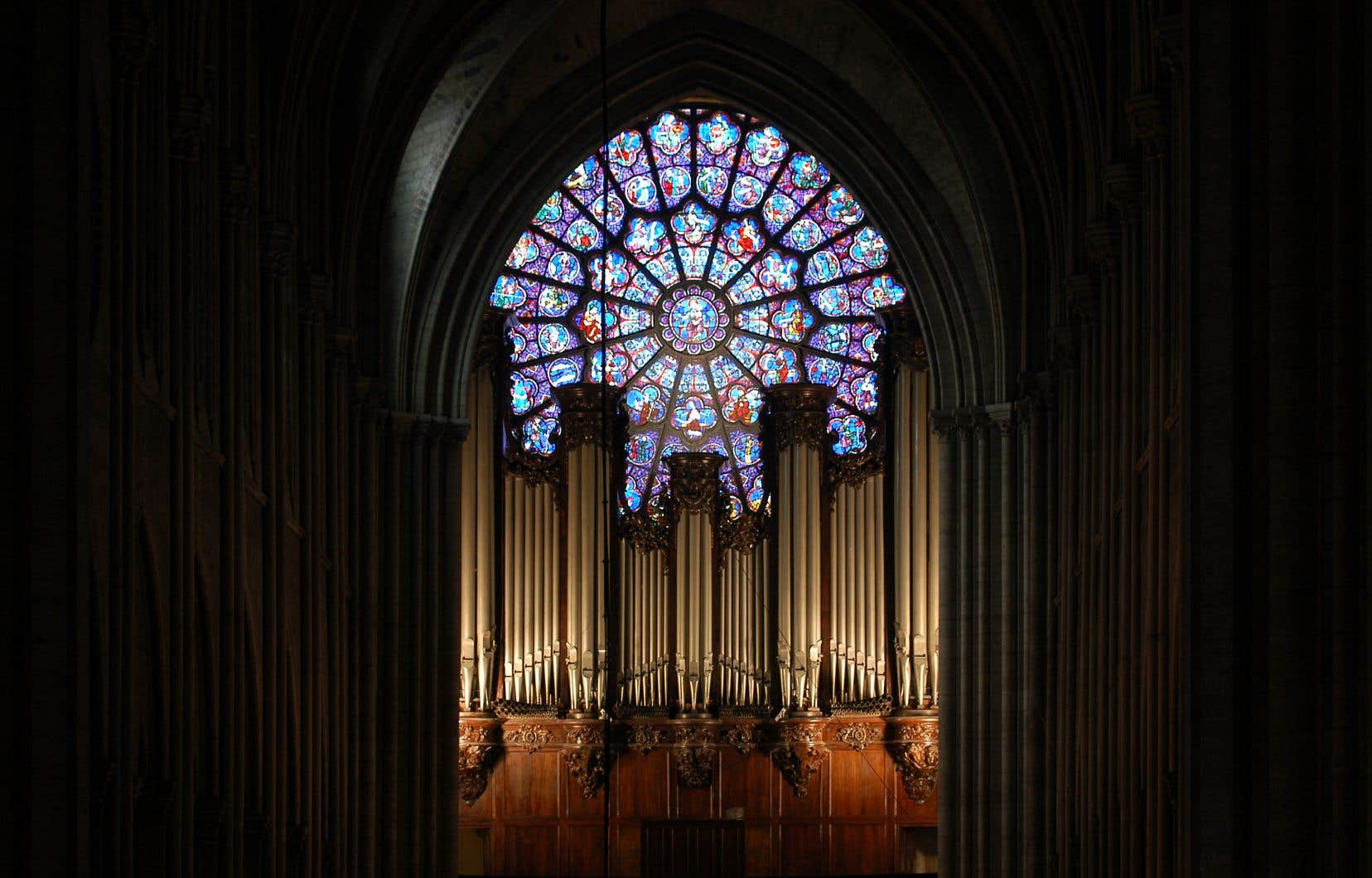 Le grand orgue de Notre-Dame a pu être sauvé des flammes et de la fusion par les pompiers.