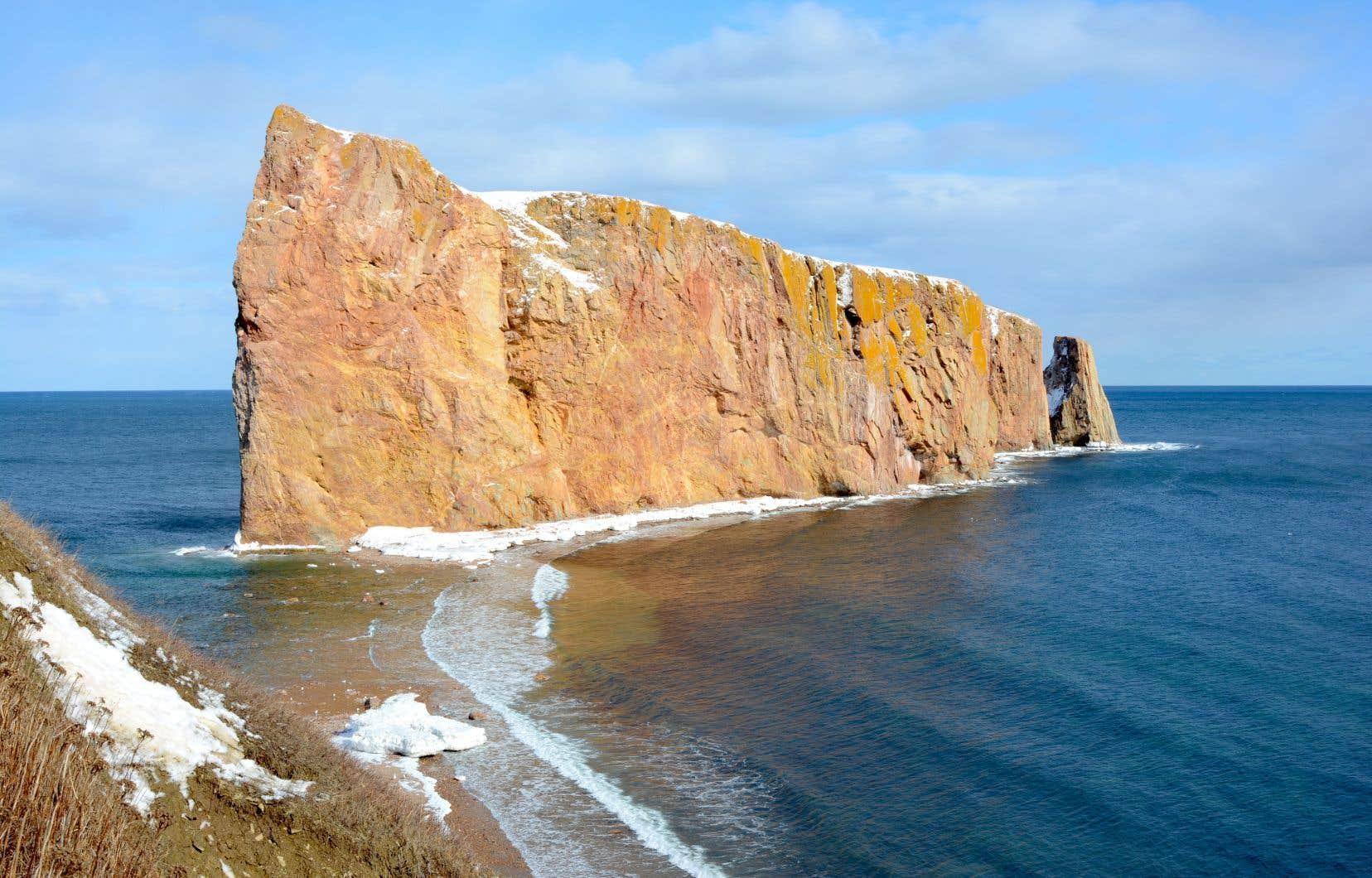 Le rocher Percé sous la lumière d'hiver