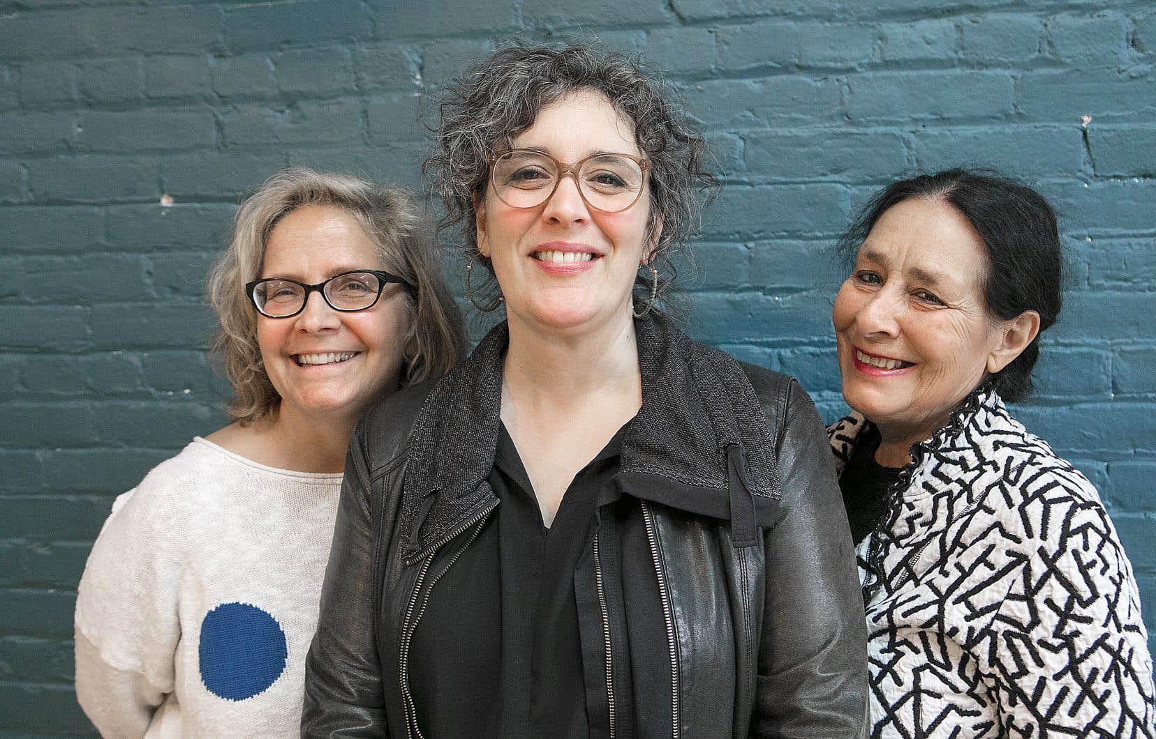 La metteure en scène Luce Pelletier et les auteures Jennifer Tremblay et Suzanne Lebeau