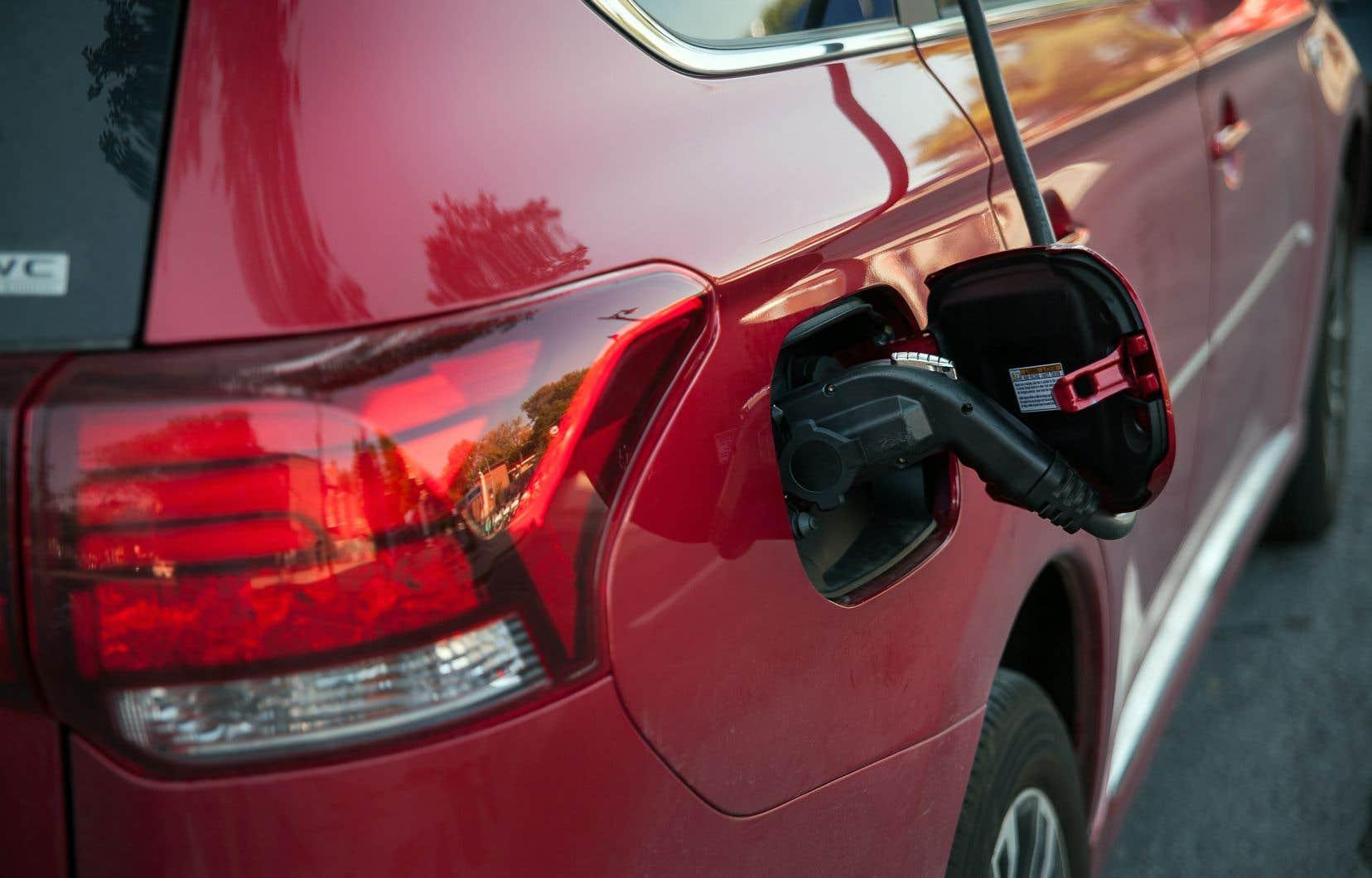 Une quinzaine de modèles électriques ou hybrides se qualifient pour le rabais fédéral de 5000$ et une dizaine pour celui de 2500$.