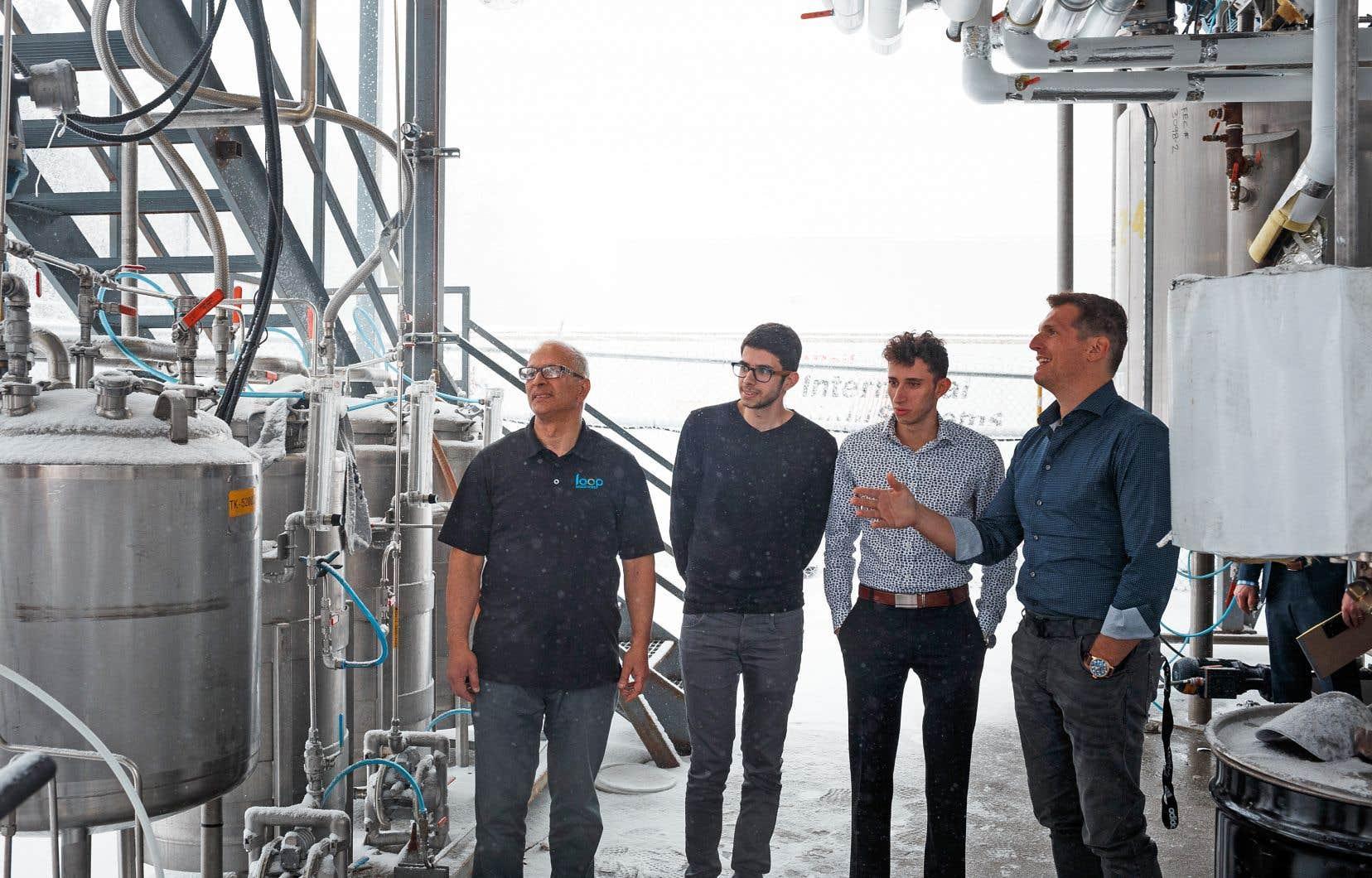 L'homme d'affaires Daniel Solomita, à droite, a su miser sur la technologie développée par le chimiste Athem Essaddam, ainsi que par ses fils Fares et Adel, pour créer Loop Industries.
