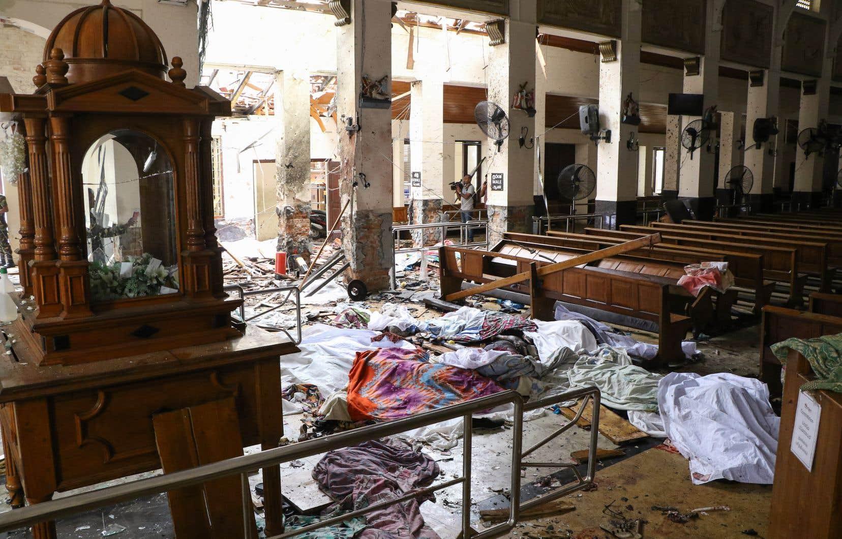 Les premières explosions qui ont été rapportées se sont produites à l'église Saint-Antoine, dans la capitale, et à l'église de Negombo.
