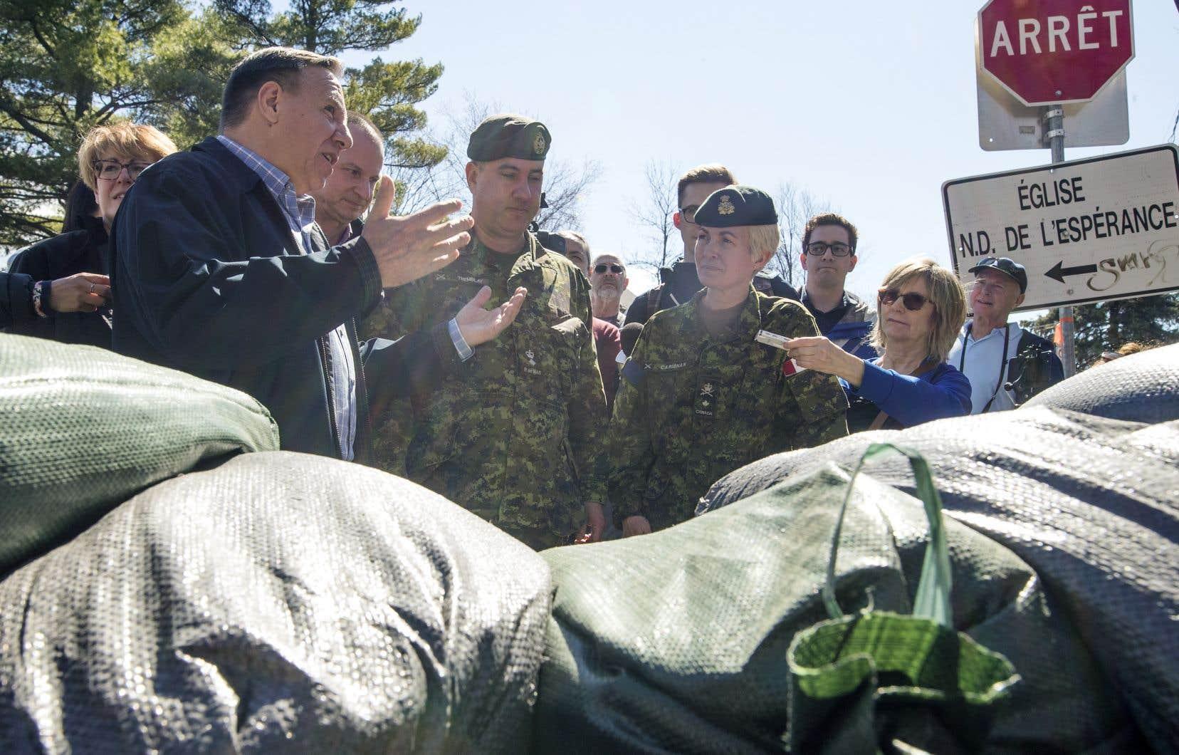 Le premier ministre François Legault a assuré aux sinistrés que Québec a tiré des leçons des crues printanières de 2017.