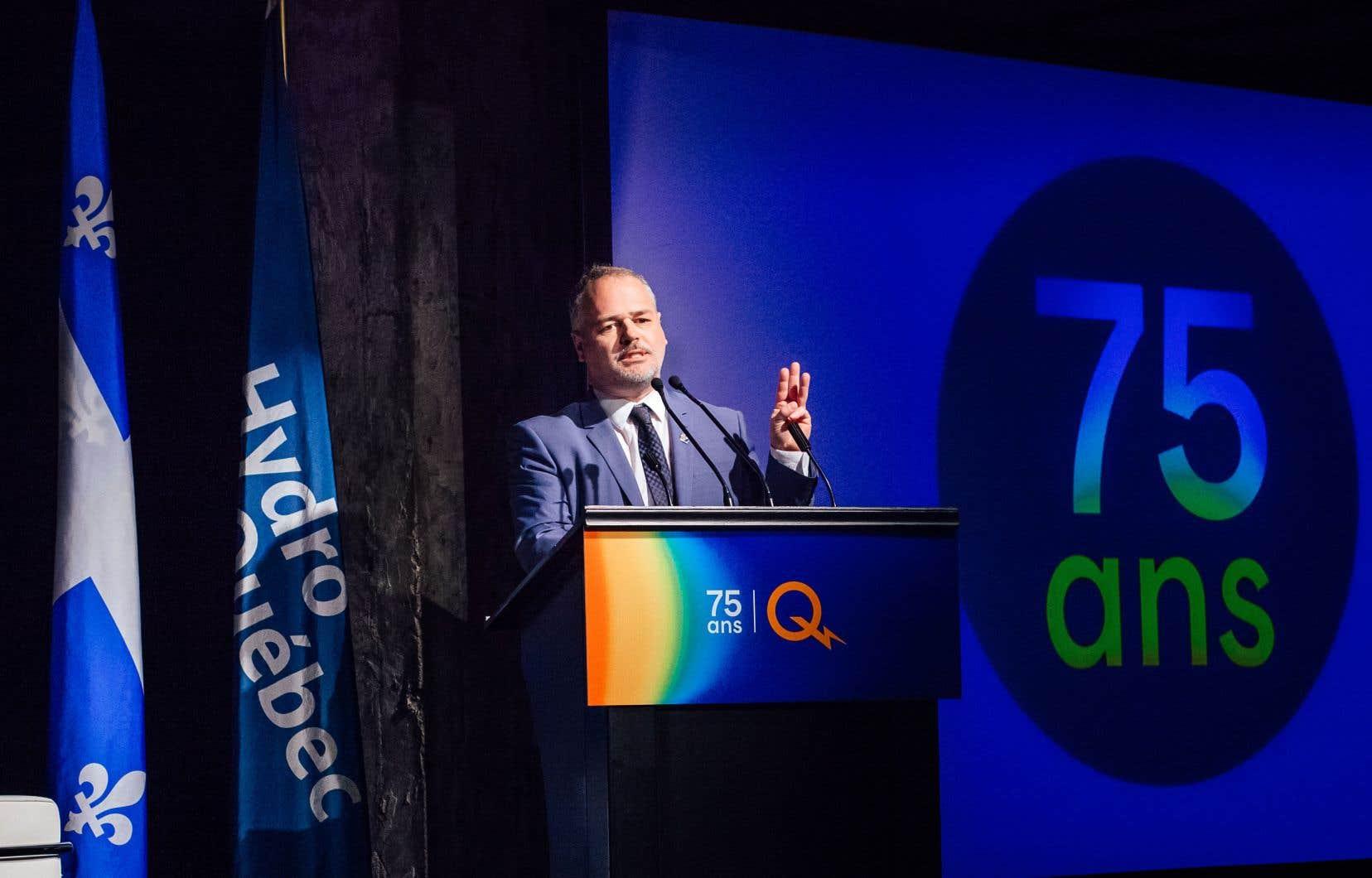 En mêlée de presse mardi à Québec, le ministre de l'Énergie et des Ressources naturelles, Jonatan Julien, a confirmé que le Québec allait «réactiver de manière intense» les négociations avec New York.
