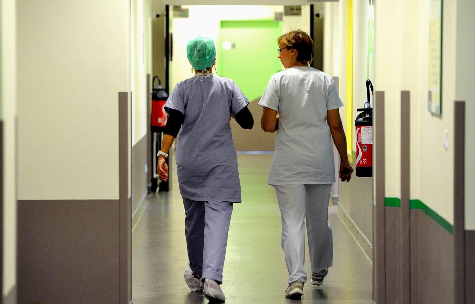 Pour superviser et accueillir des infirmières praticiennes spécialisées (IPS) dans leurs cliniques, les médecins empocheront plus d'un demi-milliard de dollars sur dix ans.