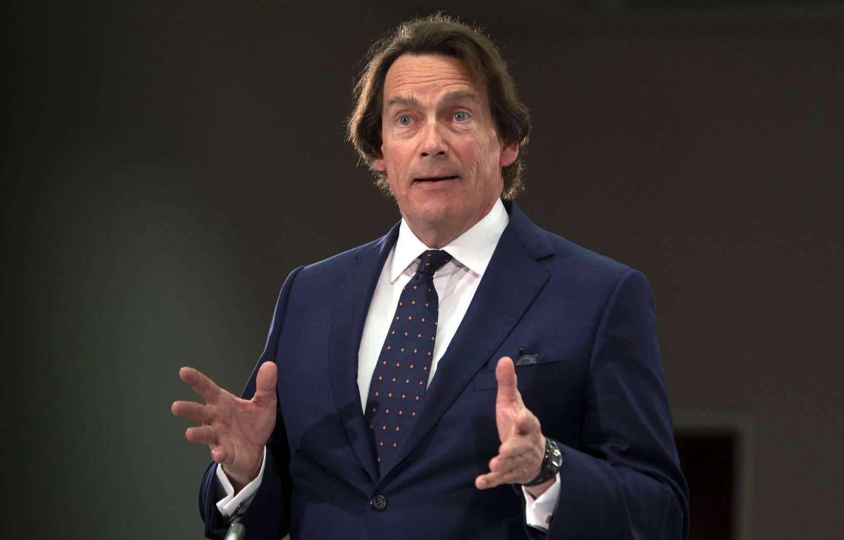 Pierre Karl Péladeau a mentionné son intention de revoir le modèle d'affaires de Taxelco une fois la transaction réalisée, ce qui devrait être le 31 mai prochain.