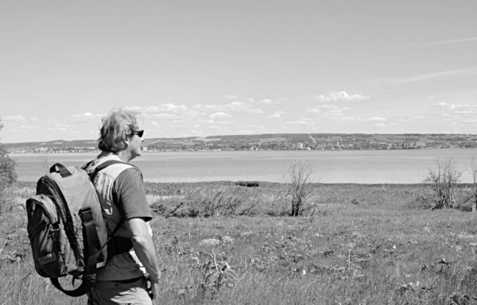 Le chargé de projet, Armand Dubé, a réussi à mettre en valeur le potentiel historique et écologique de l'île Saint-Barnabé, qui fait face à la ville de Rimouski.<br />