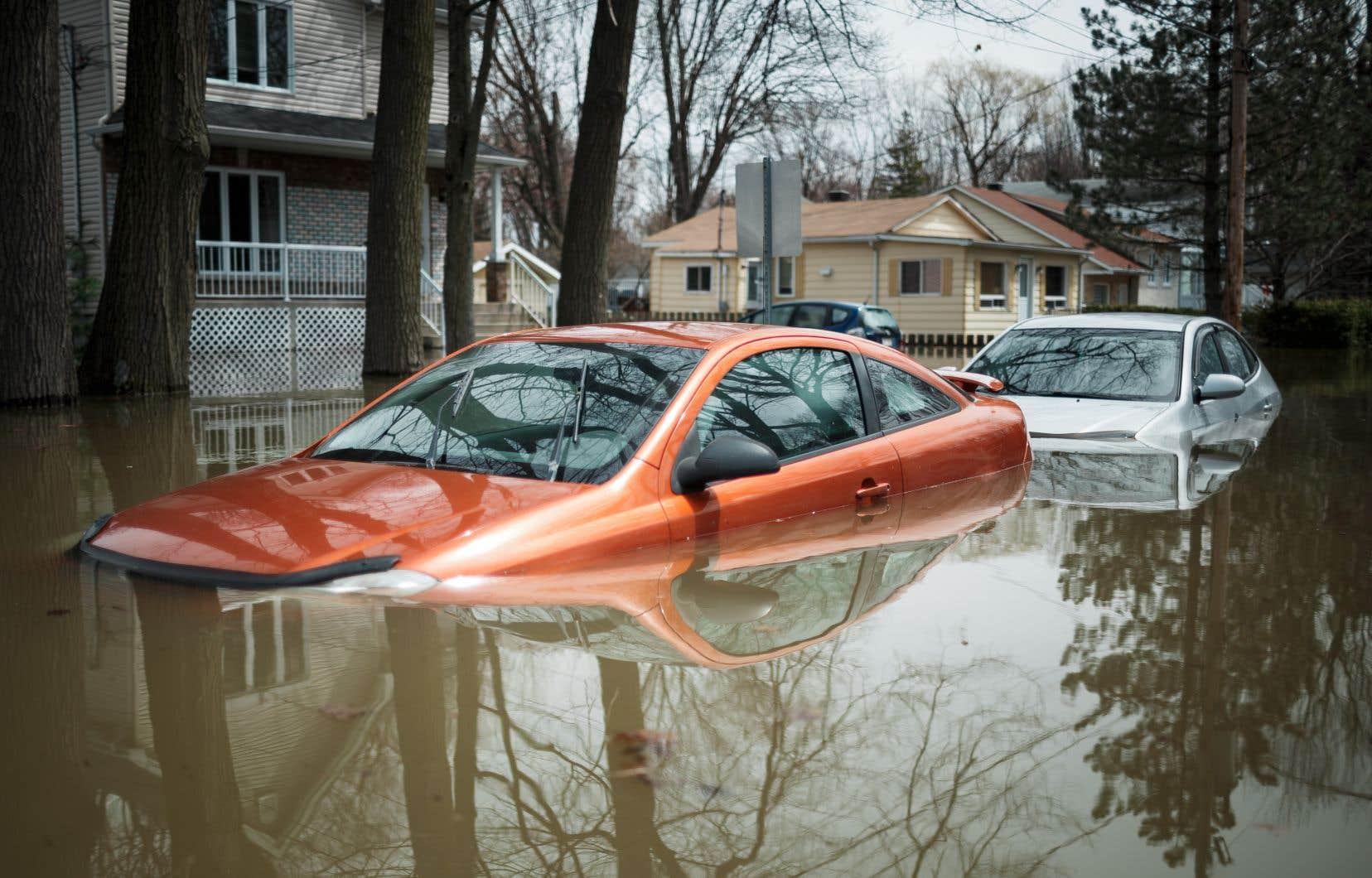 Sainte-Marthe-sur-le-Lac vit des inondations majeures.