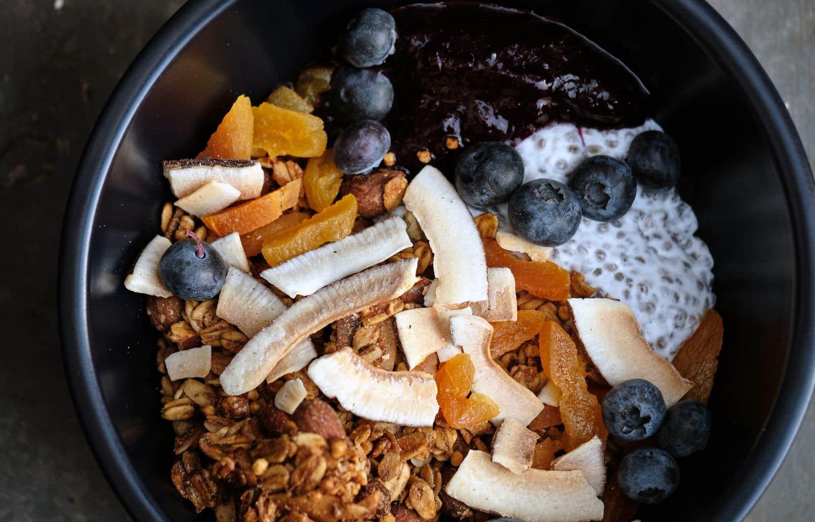 Dans un grand bol, bien mélangertous les ingrédients.
