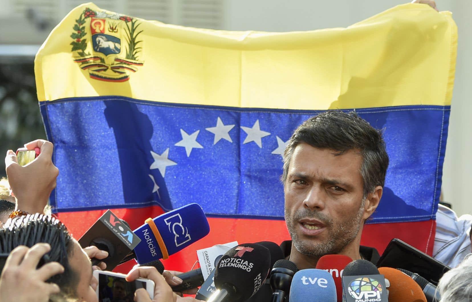 L'opposant Leopoldo Lopez lors d'un bain de foule mardi à Caracas
