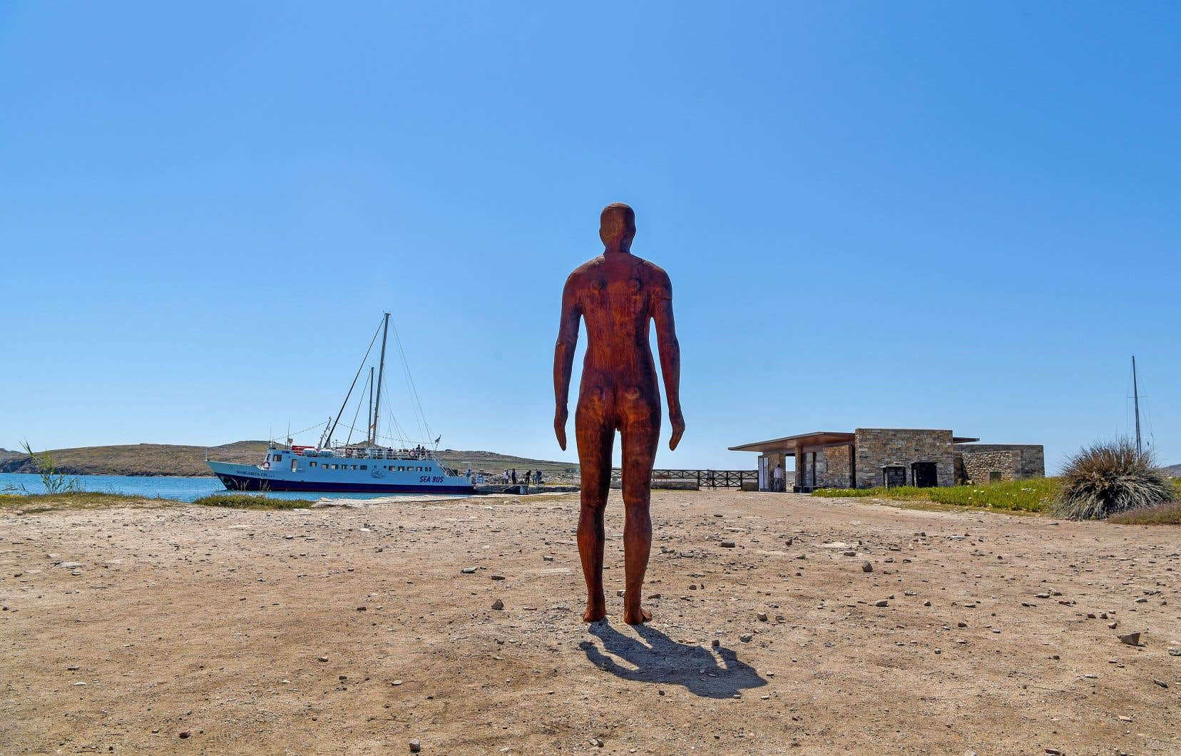 La statue «Another Time V» par l'artiste britannique Antony Gormley