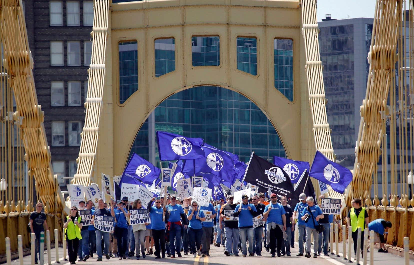 Une délégation des Métallos de l'usine de Bécancour a fait le trajet à Pittsburgh pour manifester.