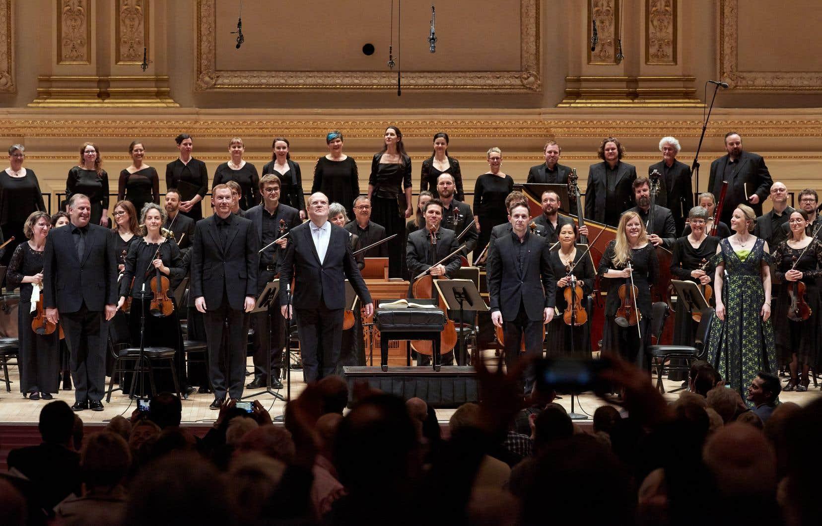La clé de l'impact de la «Messe en si» de Bernard Labadie et des formidables instrumentistes et choristes qui l'entourent, c'est la coulée musicale générale.