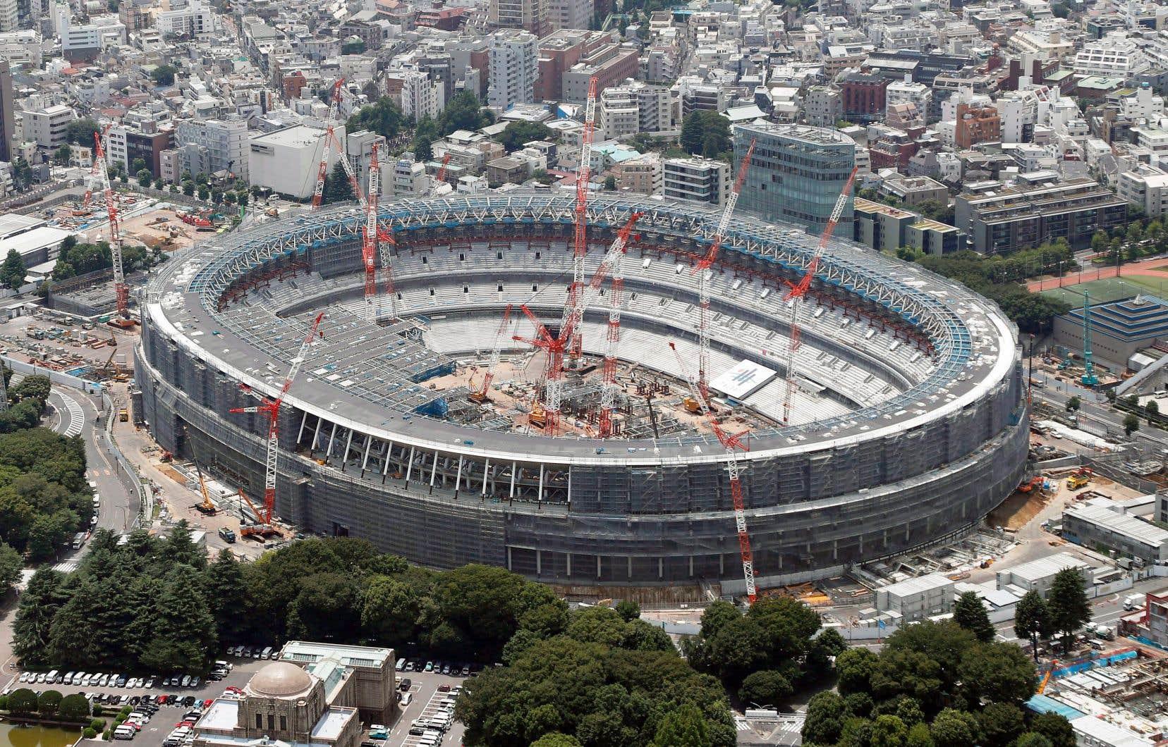 Le nouveau stade de Tokyo en construction