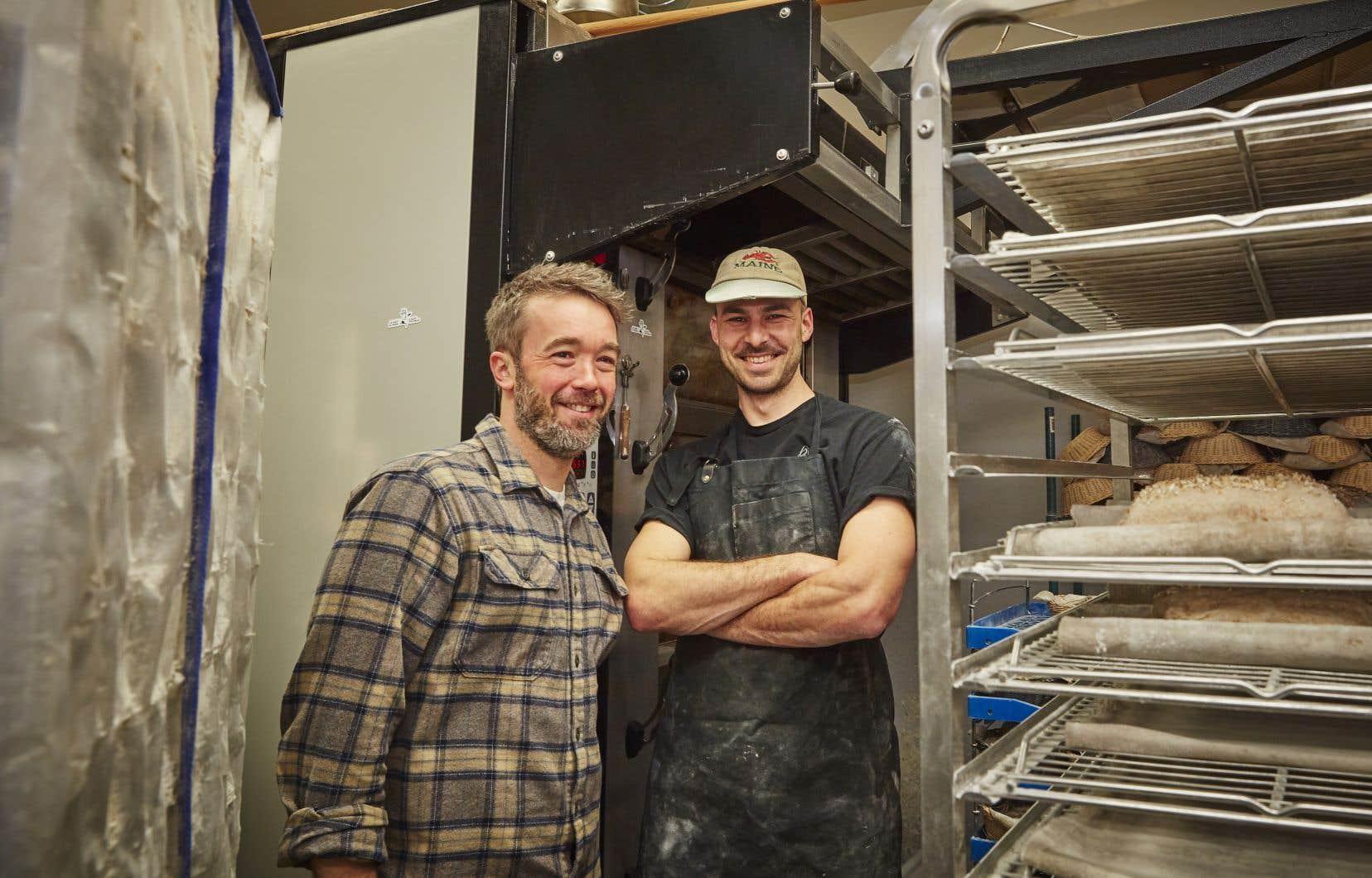 Julien Roy et Seth Gabrielse, propriétaires de la boulangerie Automne, à Montréal, font partie de la nouvelle vague d'artisans qui font rayonner la boulangerie artisanale au Québec.