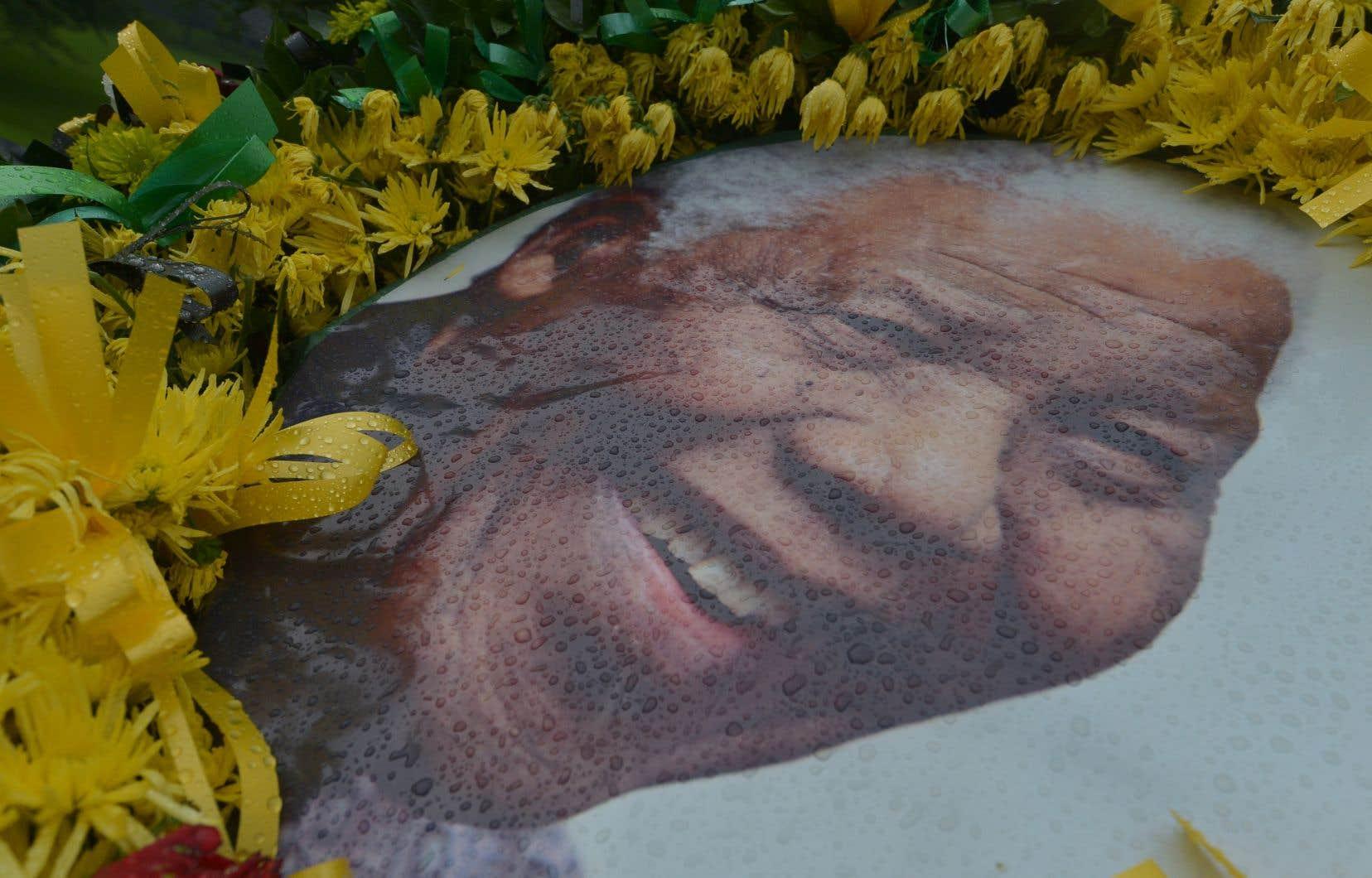Du président Nelson Mandela, il faut surtout retenir qu'il a mené la plus grande révolution de la planète.