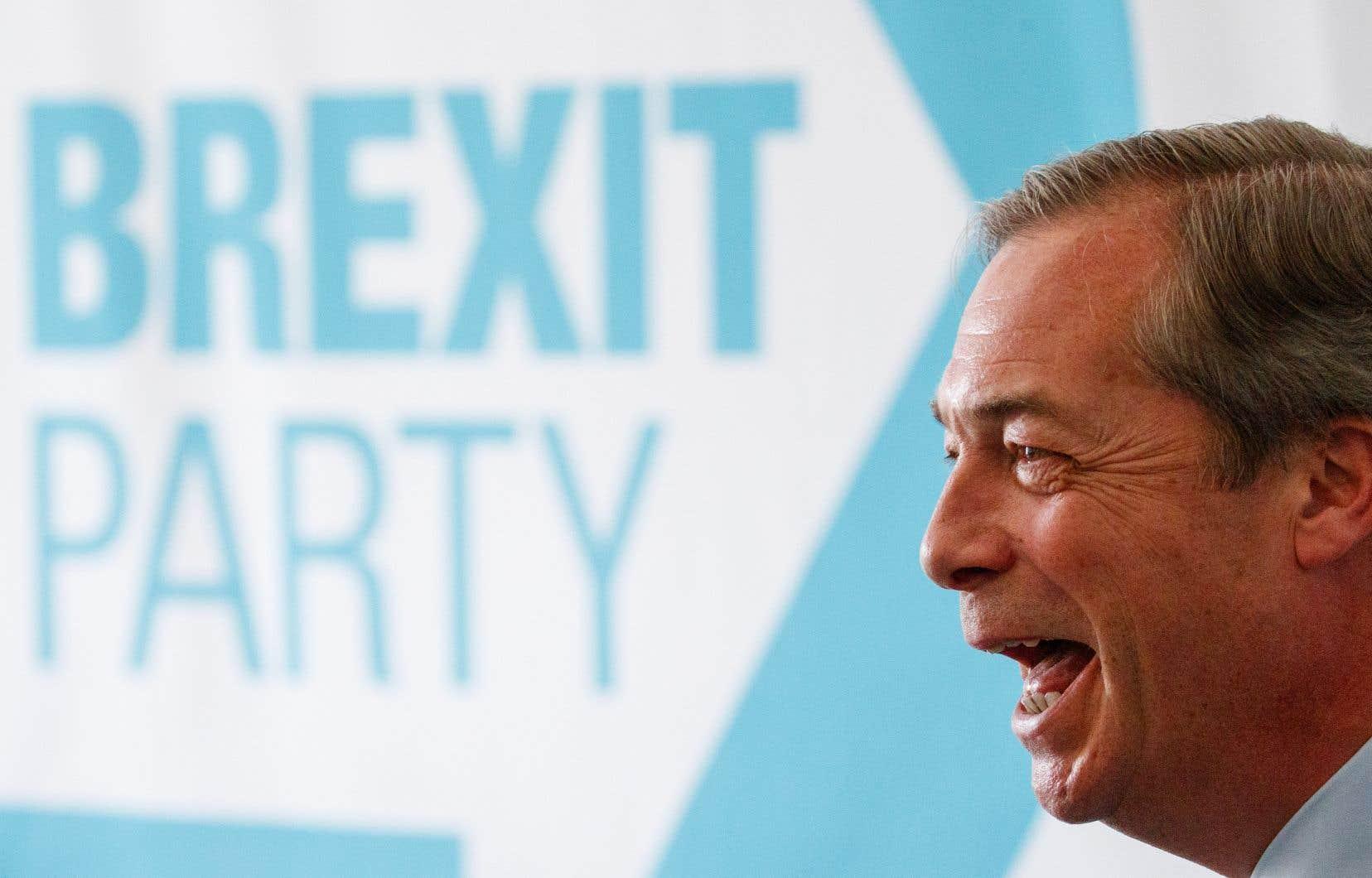 NigelFarage espère connaître le même succès que certains mouvements populistes dont il dit s'inspirer.
