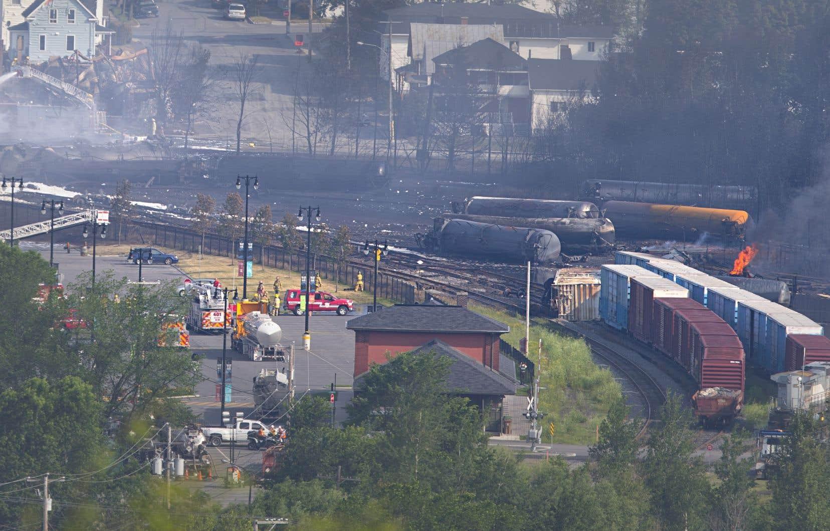 La voie de contournement qui permettra que les convois ferroviaires ne traversent plus le centre-ville de Lac-Mégantic aura une longueur de 12,4km.