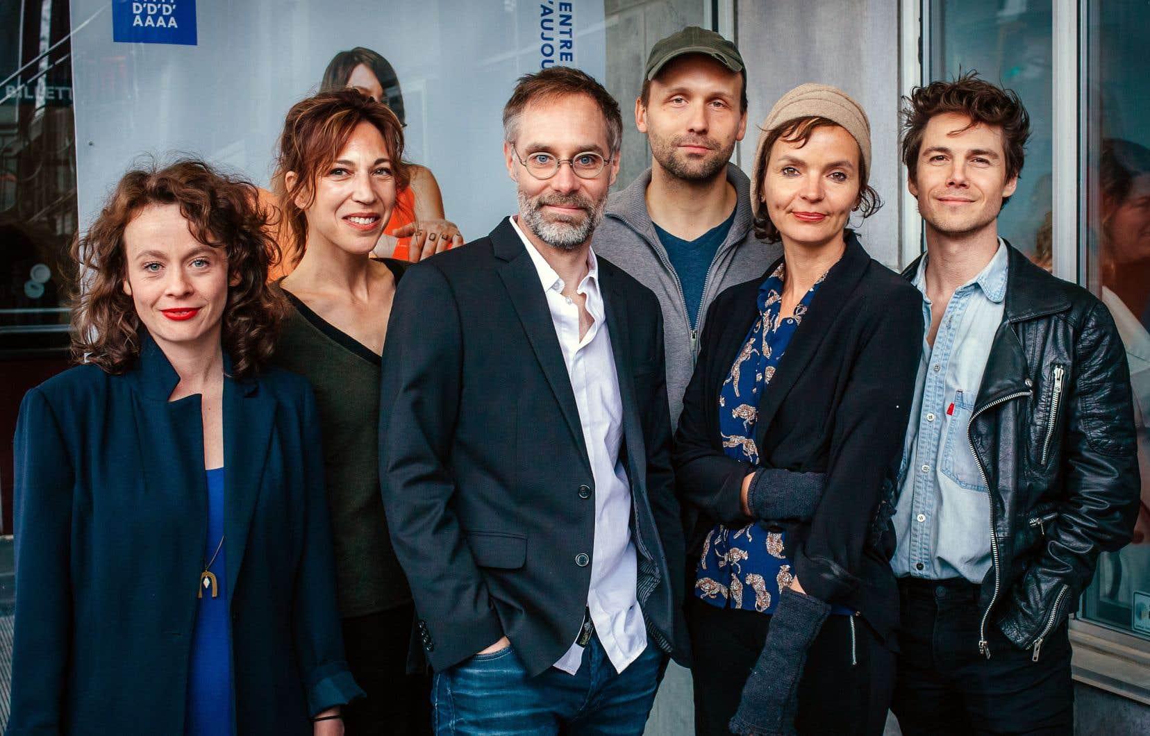 Rébecca Déraspe, Évelyne de la Chenelière, Sylvain Bélanger, Émile Proulx-Cloutier, Anaïs Barbeau-Lavalette et Dany Boudreault du Centre du Théâtre d'Aujourd'hui