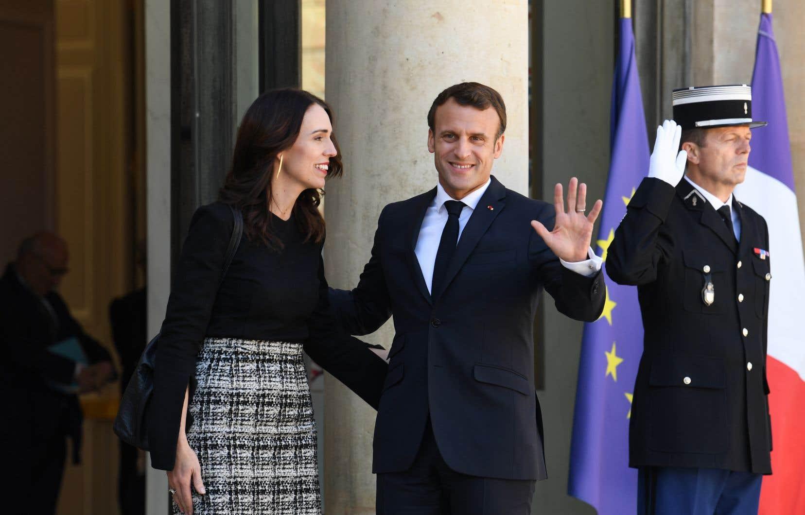 Le président français Emmanuel Macron et la première ministre néo-zélandaise Jacinda Ardern