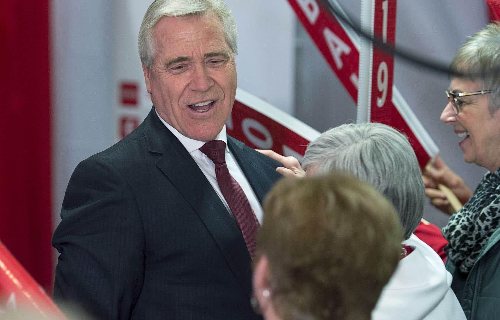 Le premier ministre réélu deTerre-Neuve-et-Labrador,Dwight Ball,a pris un ton conciliant dans un discours de victoire qui mettait l'accent sur son engagement à travailler avec d'autres membres de la législature.