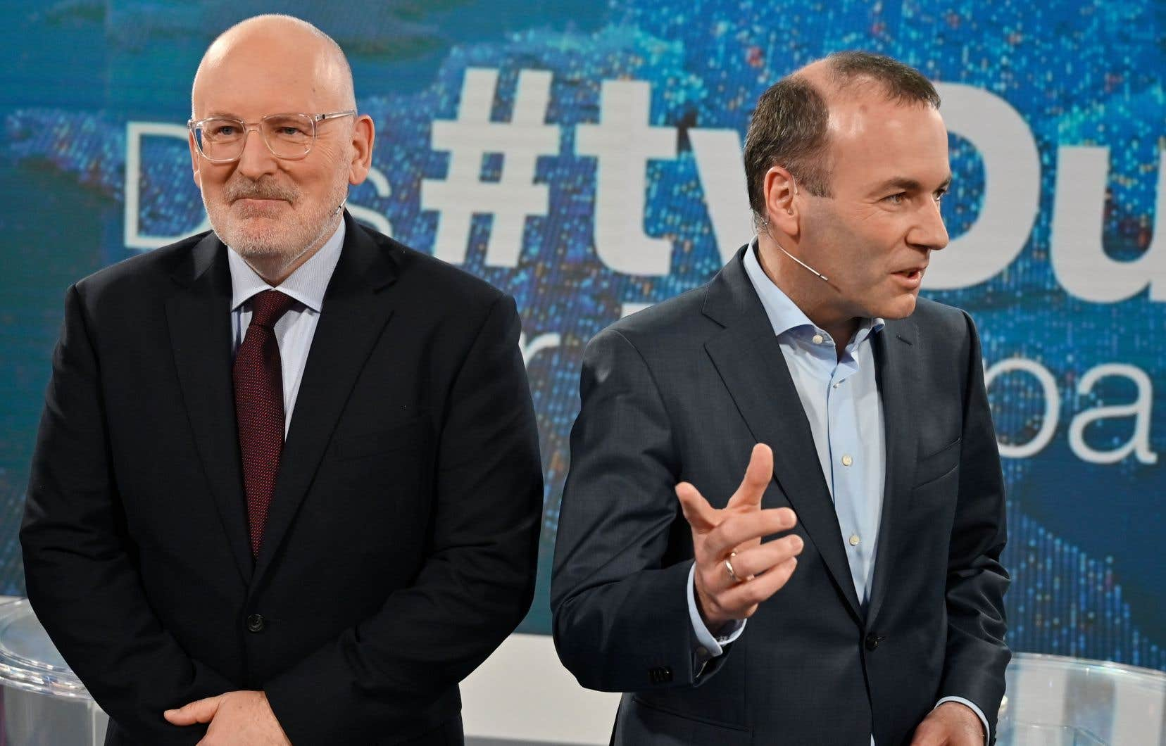Le Bavarois Manfred Weber, à droite sur la photo, représente le PPE et le Néerlandais Frans Timmermans, les sociaux-démocrates.