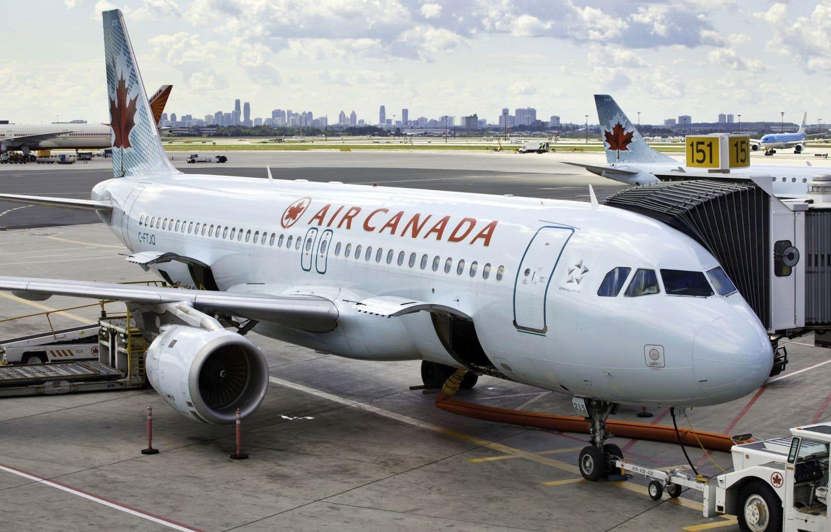 Le fait d'avoir des syndicats qui représentent des employés au sein d'Air Canada et d'Air Transat change la dynamique de la fusion.