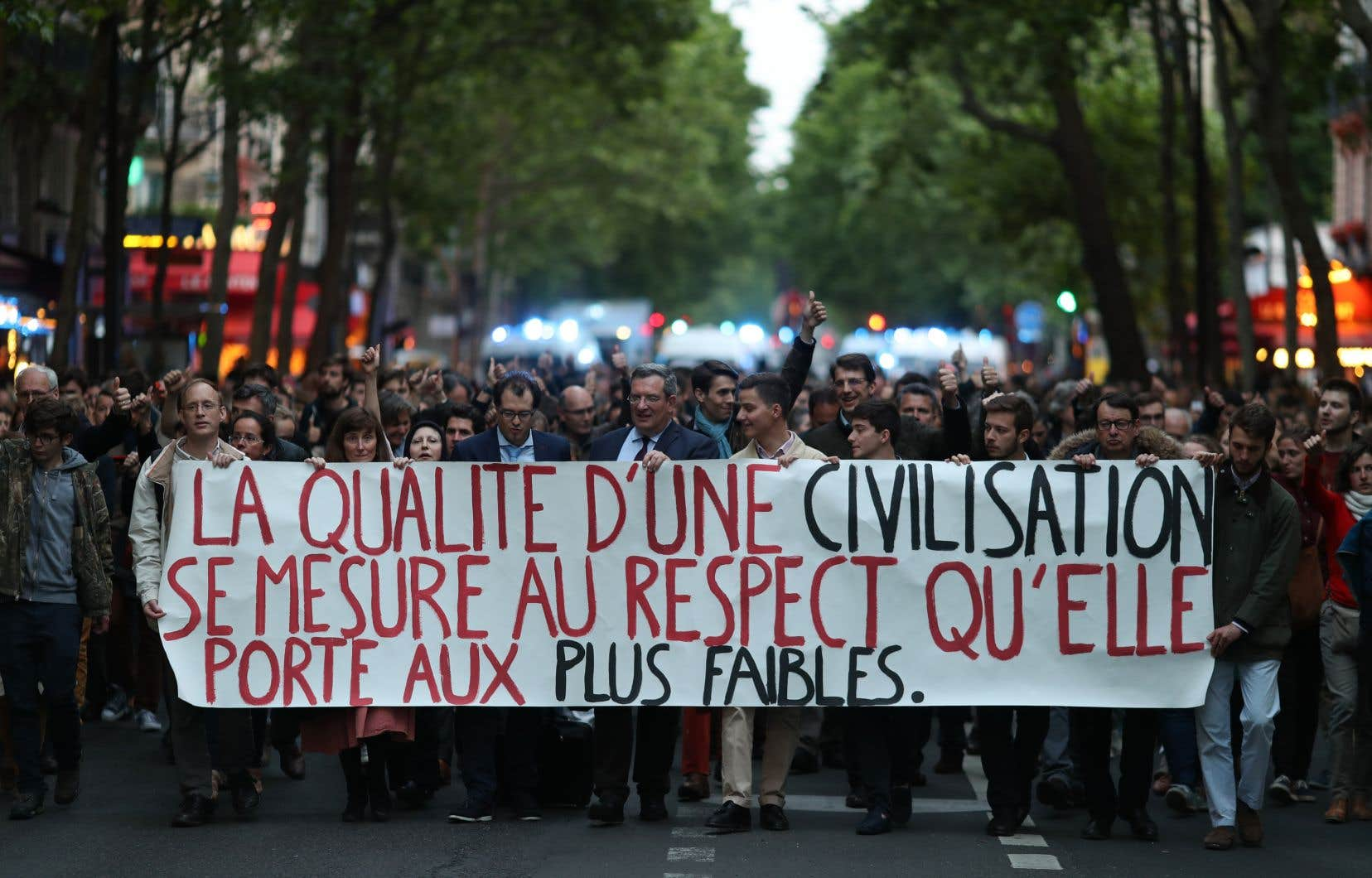Une manifestation parisienne a réuni plusieurs centaines de personnes réclamant «la vie pour Vincent».