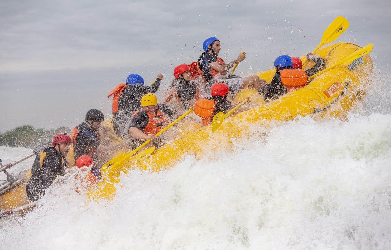 <p>Alors que les étés se font toujours plus suffocants dans la métropole, Rafting Montréal a connu son année record en 2018.</p>