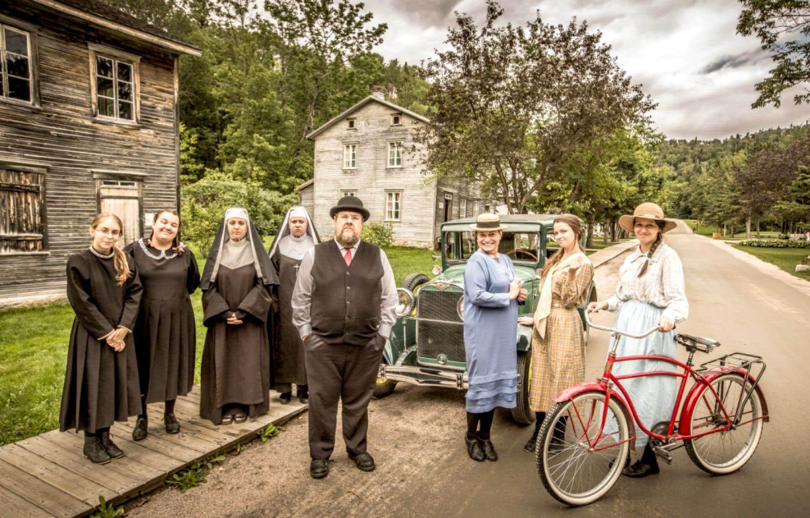 Au Village historique de Val-Jalbert, le visiteur plonge dans la vie d'une famille ouvrière du XXe siècle.