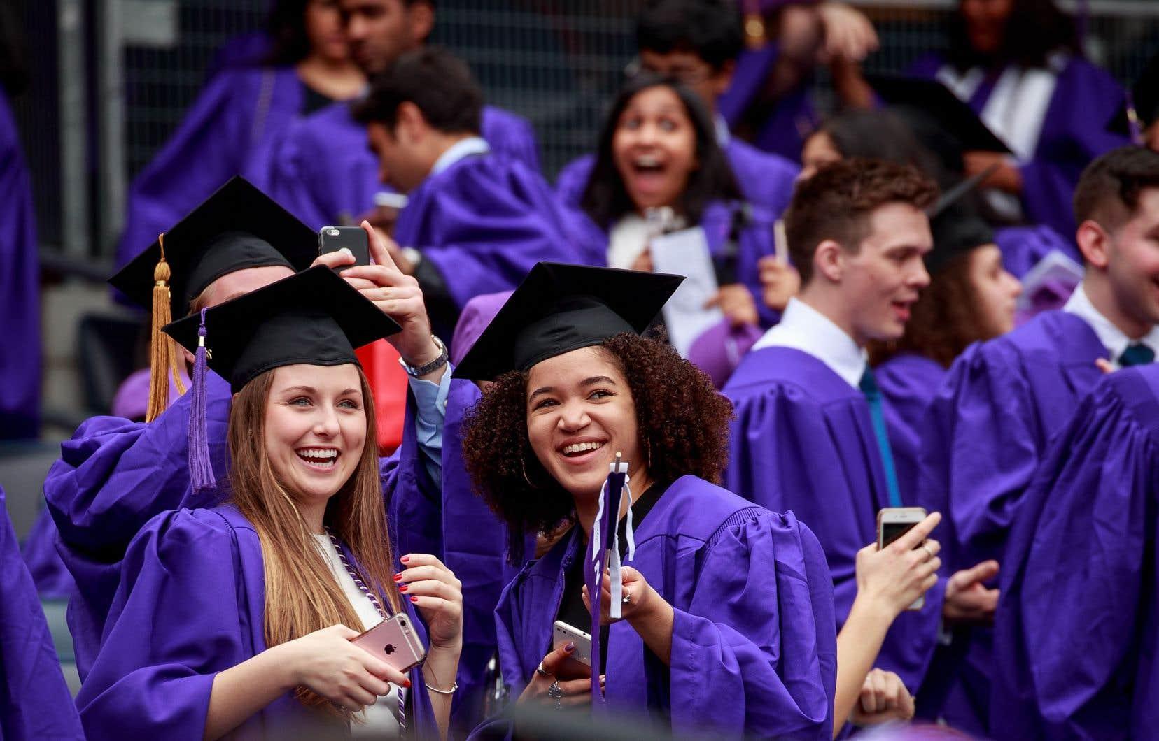 La dette moyenne des étudiants américains atteint pas moins de 30000$US.