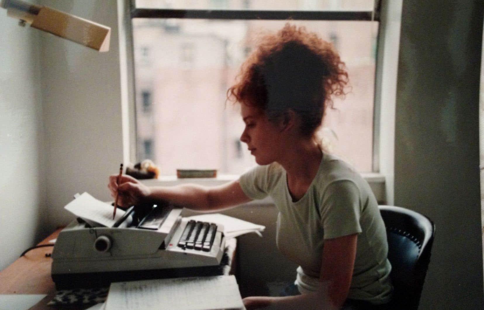 Jill Eisenstadt livre une histoire sans histoire portée par une narration essentiellement minimaliste, avec de brefs sursauts de lyrisme ou d'humour.