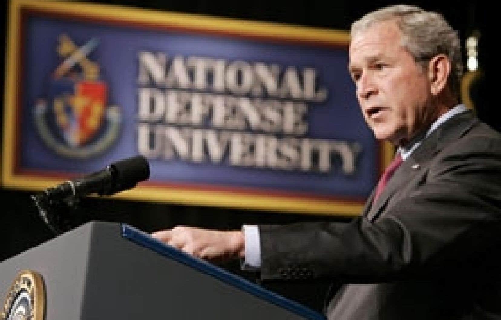 Le président George W. Bush s'est adressé hier aux élèves de la National Defense University, une grande institution d'enseignement militaire.