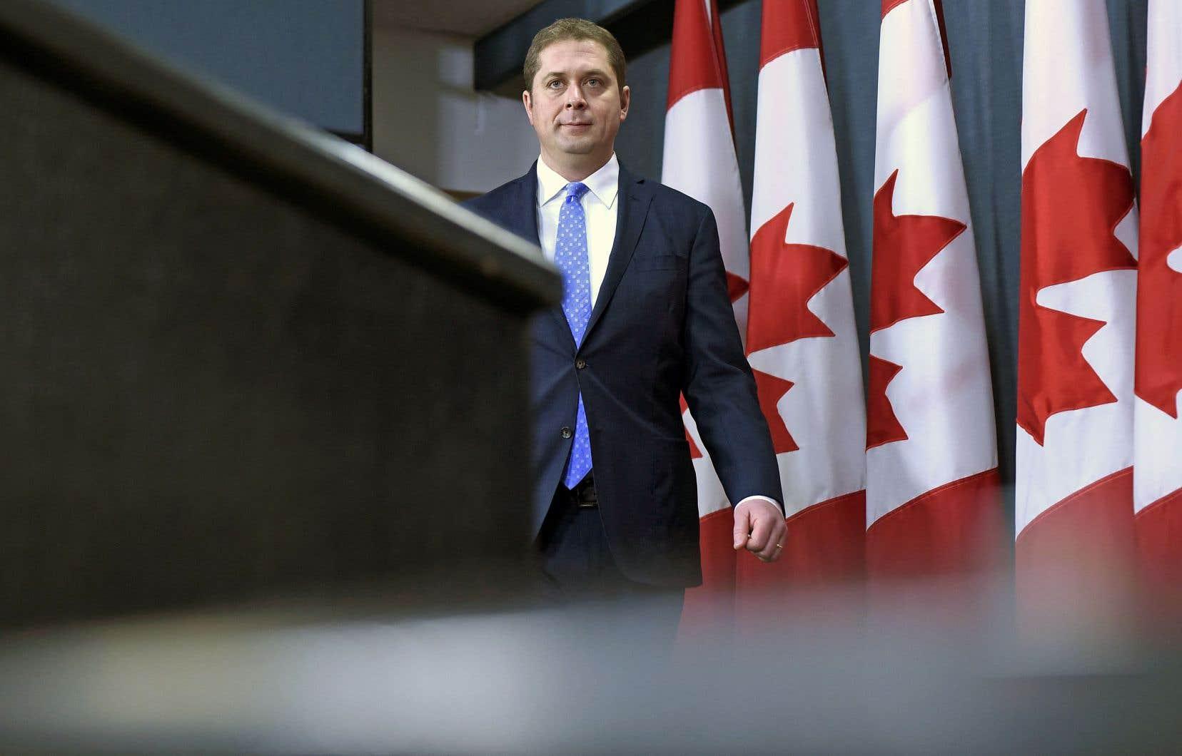 Les conservateurs d'Andrew Scheer promettent maintenant d'éliminer le déficit budgétaire en cinqans s'ils sont élus en octobre.