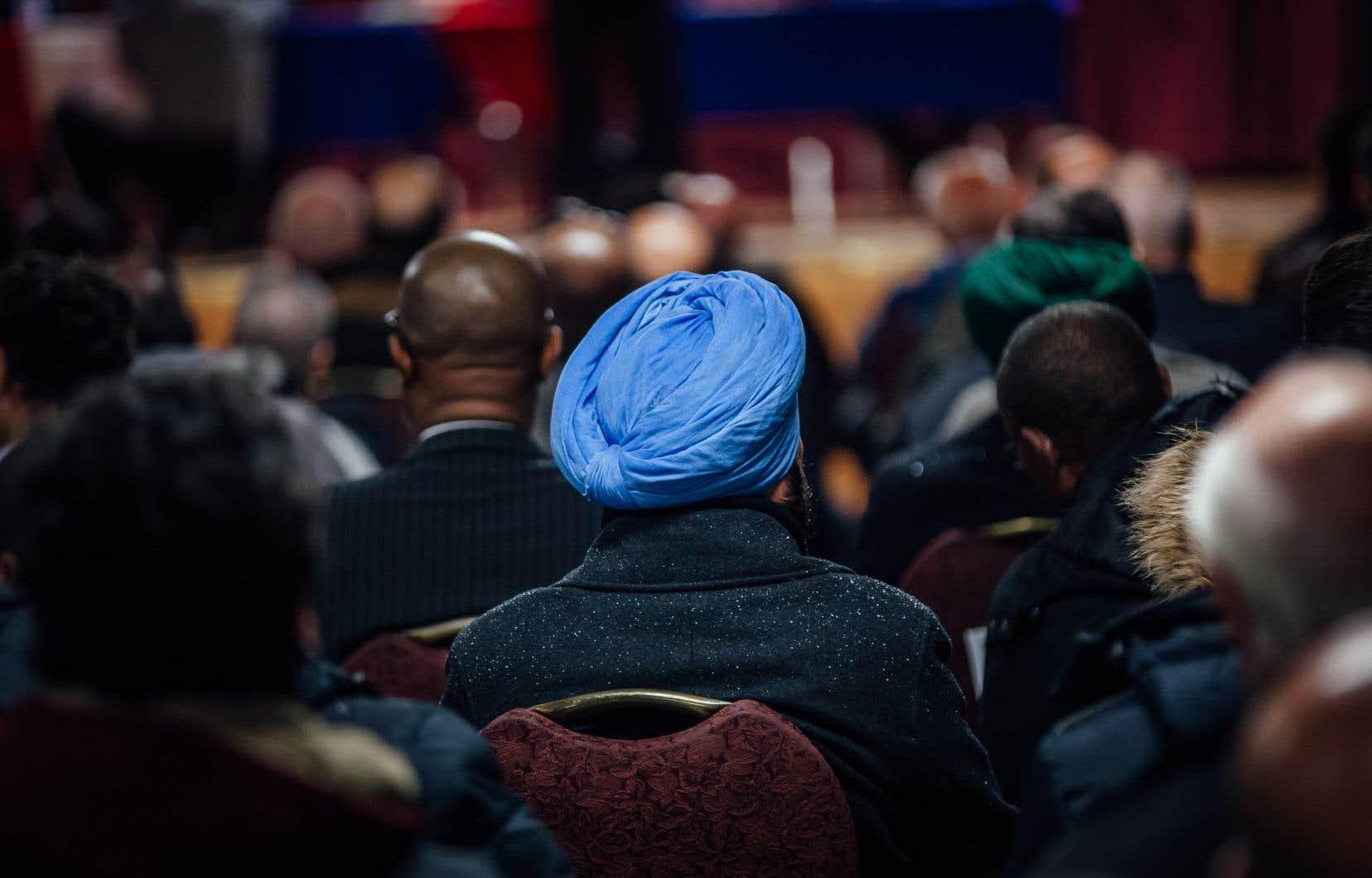 «La tolérance de la diversité des croyances ne doit pas mener à accepter, voire à encourager, des comportements qui contribuent à balkaniser la société», écrit l'auteur.