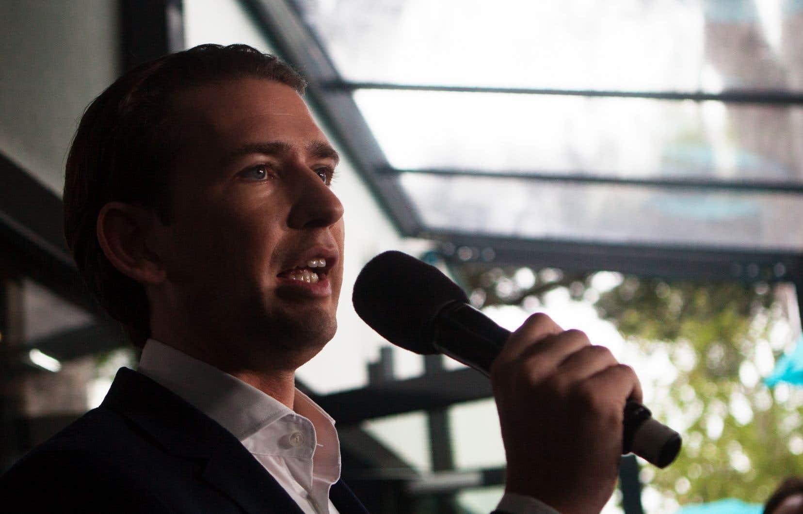 Sebastian Kurz reste toutefois le mieux placé dans la course aux législatives anticipées, qui se dérouleront en septembre.