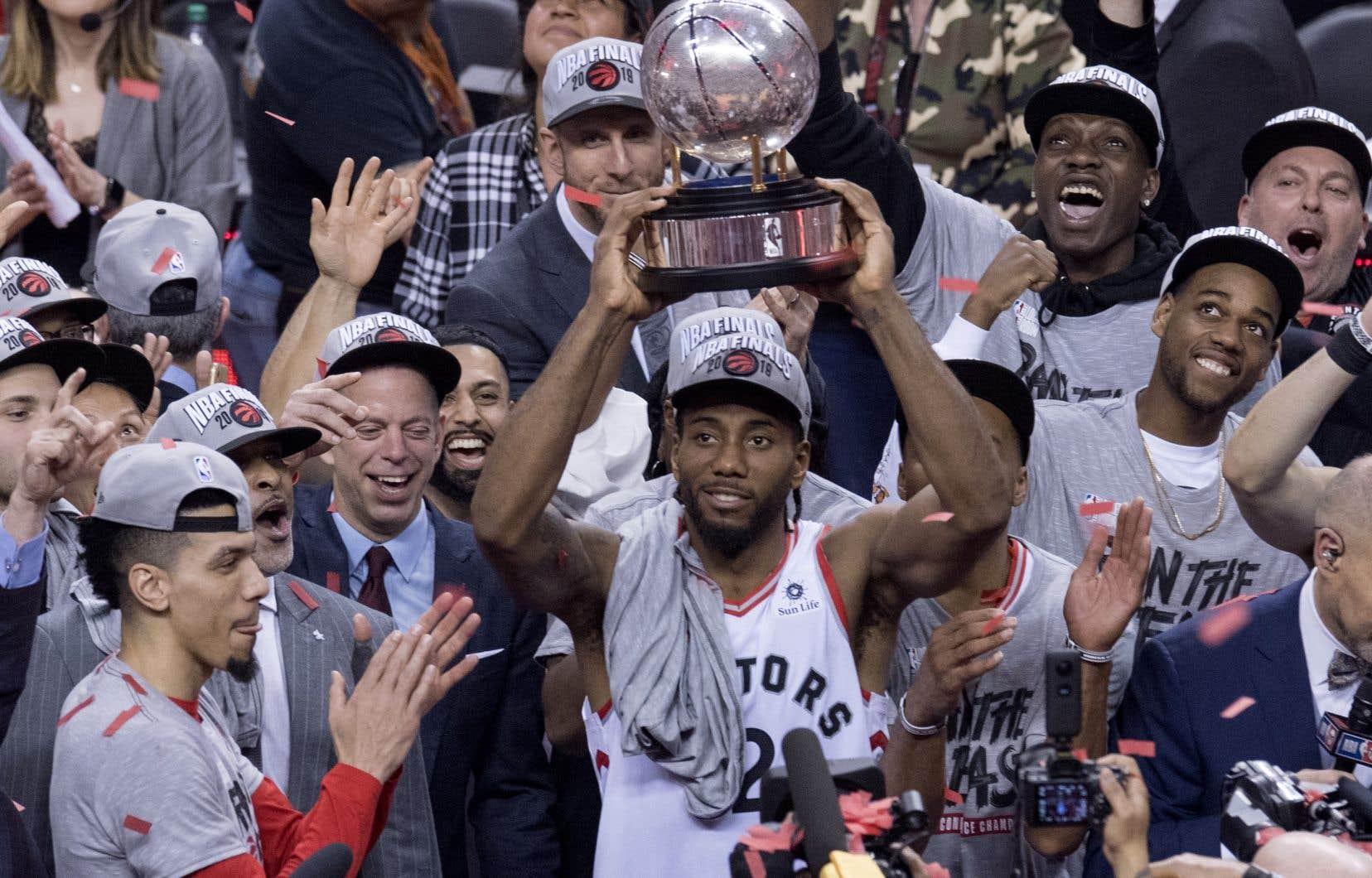 Les Raptors de Toronto participeront pour la première fois de leur histoire à la grande finale de la NBA après avoir remporté le championnat de l'Association de l'Est.
