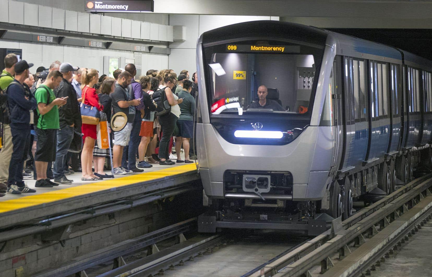 Valérie Plante soutient avoir une «liste énorme» de projets à réaliser en transport collectif à Montréal. Le désengorgement de la ligne orange du métro figure parmi les priorités de la mairesse.