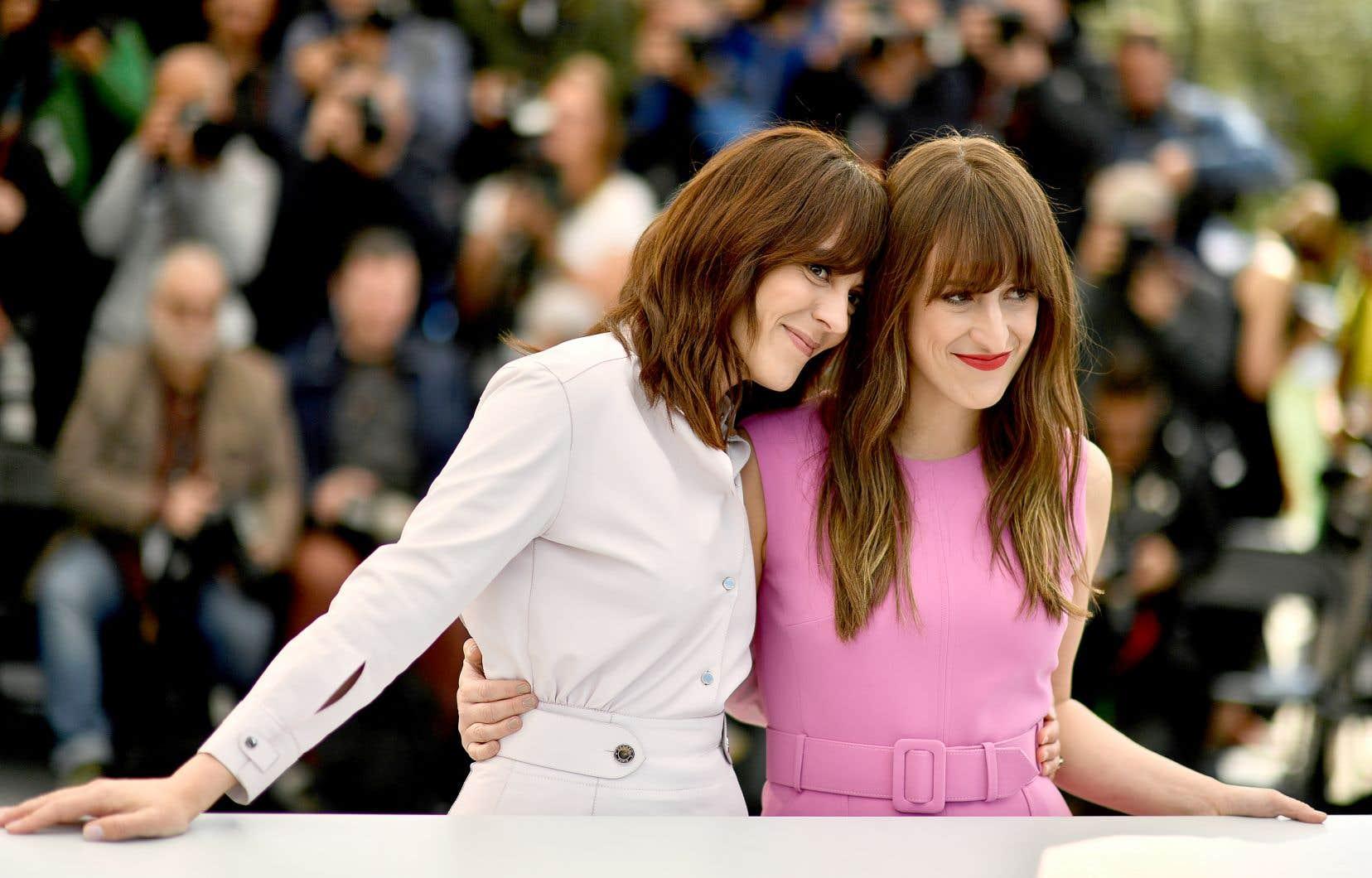 La cinéaste Monia Chokri et son actrice principale, Anne-Élisabeth Bossé, ont donné une multitude d'entrevues à Cannes, récolté leur poids de critiques tantôt élogieuses, tantôt négatives, sur la Croisette; les montagnes russes cannoises, elles les ont vécues.