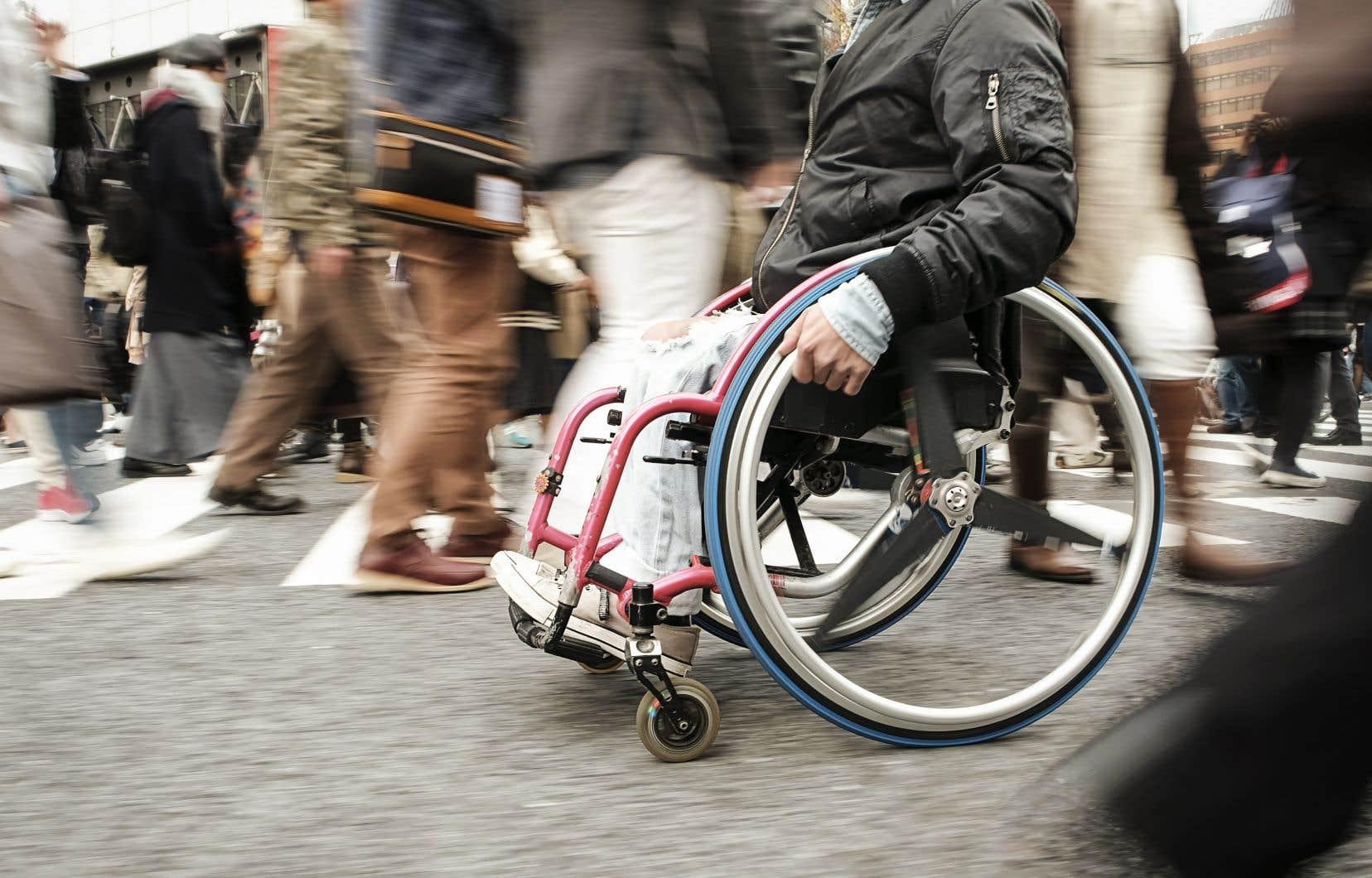 «La mise en place des mesures concrètes favorisant l'intégration des personnes en situation de handicap représente un avantage indéniable pour notre société», écrivent les auteurs.