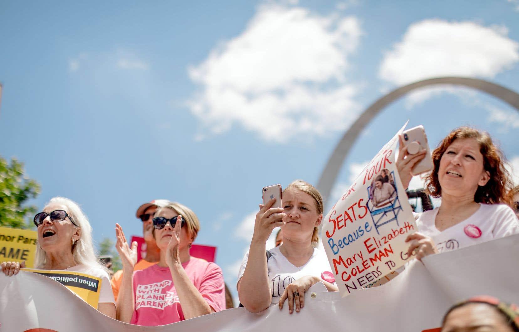 Des manifestants ont dénoncé la fermeture de la dernière clinique d'avortement à Saint Louis, Missouri, le 30 mai.