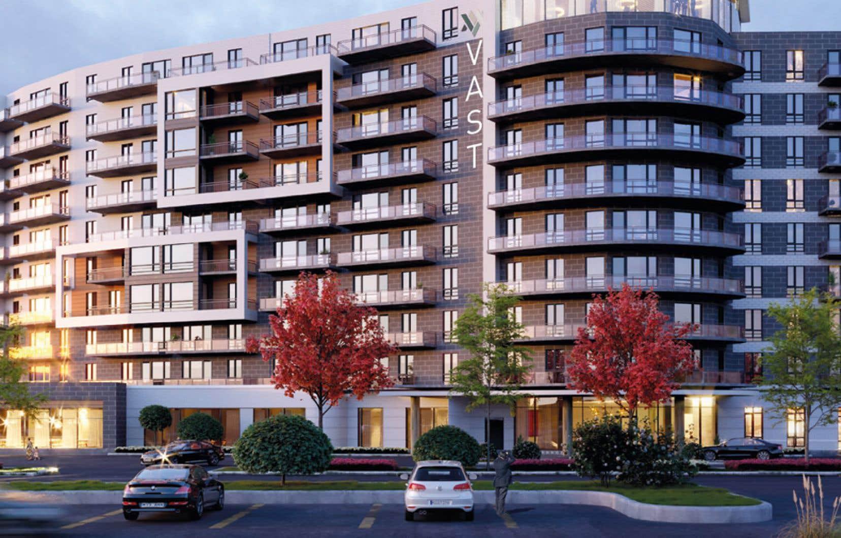 L'entreprise québécoise emploie quelque 2000 personnes et ses propriétés abritent 10000 résidants.