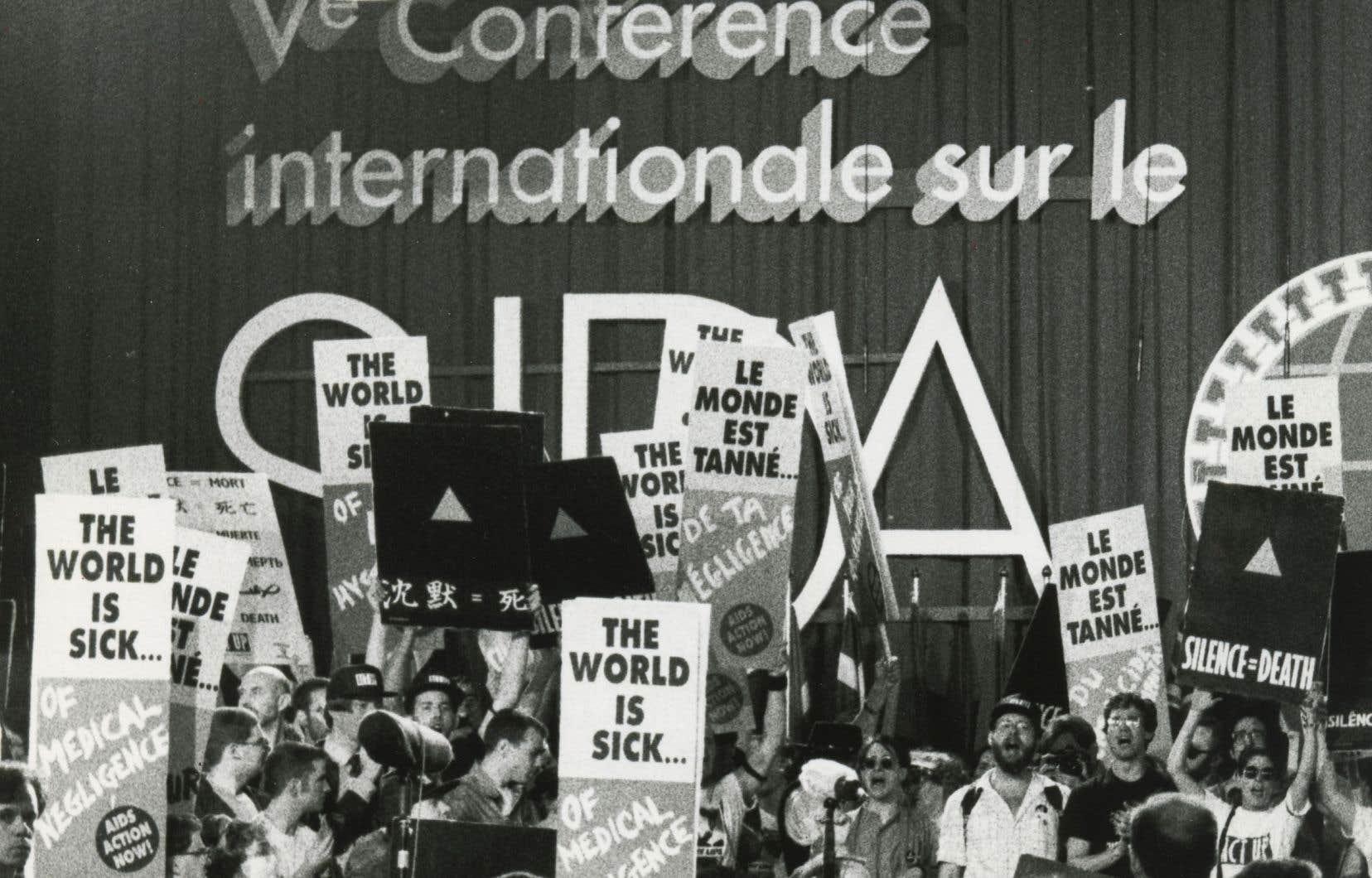 Scène d'ouverture de la Conférence internationale sur le sida à Montréal, le 4 juin 1989