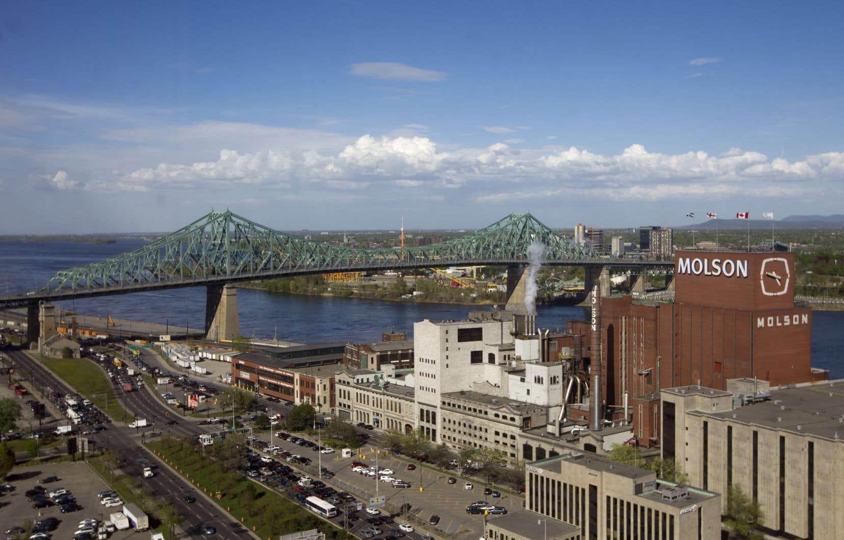 Une partie de la propriété où s'élève la brasserie Molson-Coors passera aux mains de la Ville de Montréal.