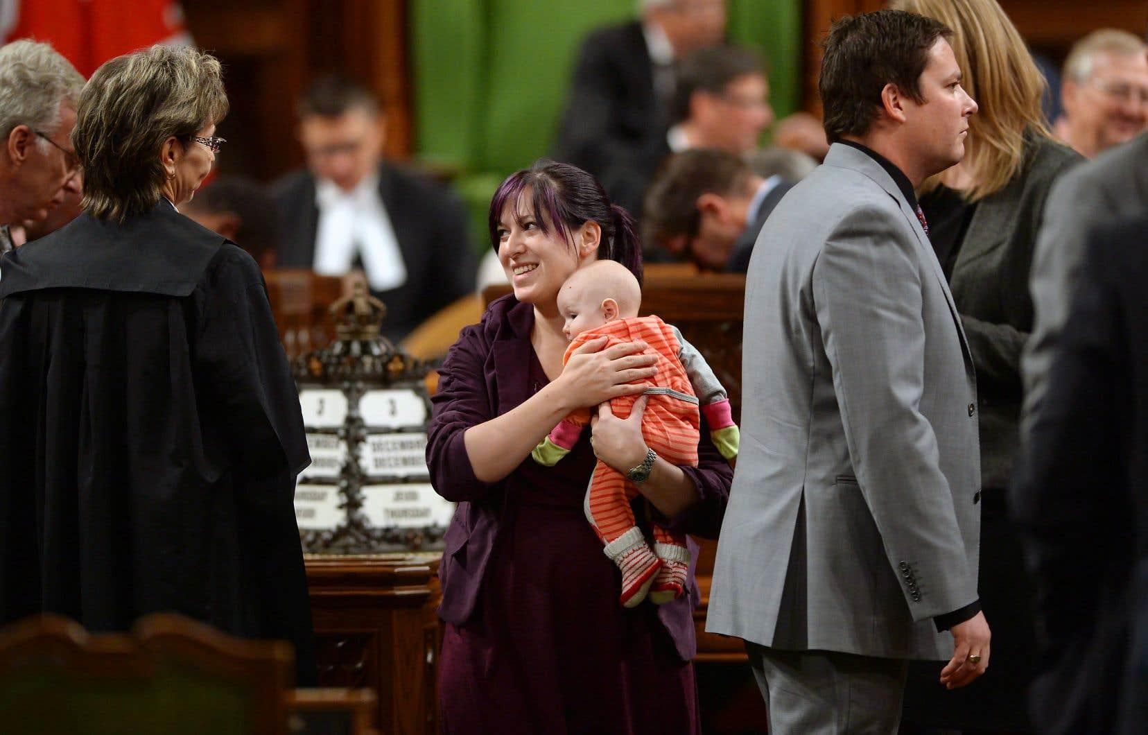 La députée Christine Moore a eu trois enfants depuis qu'elle a été élue.