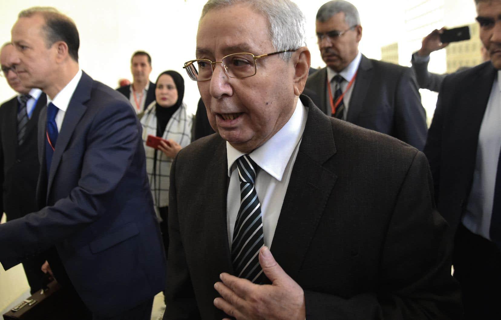 M.Bensalah, président de la Chambre haute du Parlement, a été désigné chef de l'État par intérim le 9 avril, une semaine après la démission du président Abdelaziz Bouteflika, après 20 ans au pouvoir, sous la pression de la rue et de l'armée.