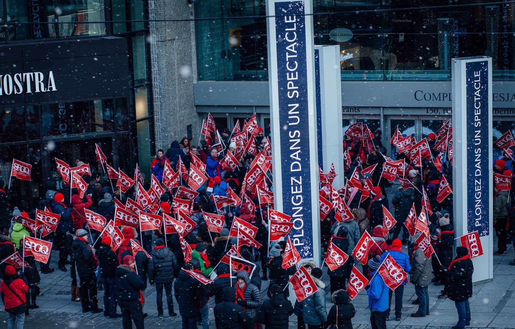 En novembre dernier, les membres du SPGQ avaient lancé une grève illimitée à la suite de 600 jours de négociations contractuelles restées dans l'impasse.